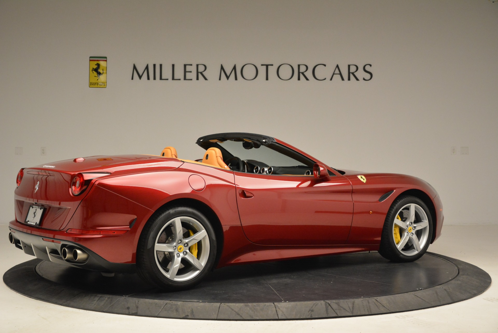 Used 2015 Ferrari California T  For Sale In Westport, CT 2033_p8