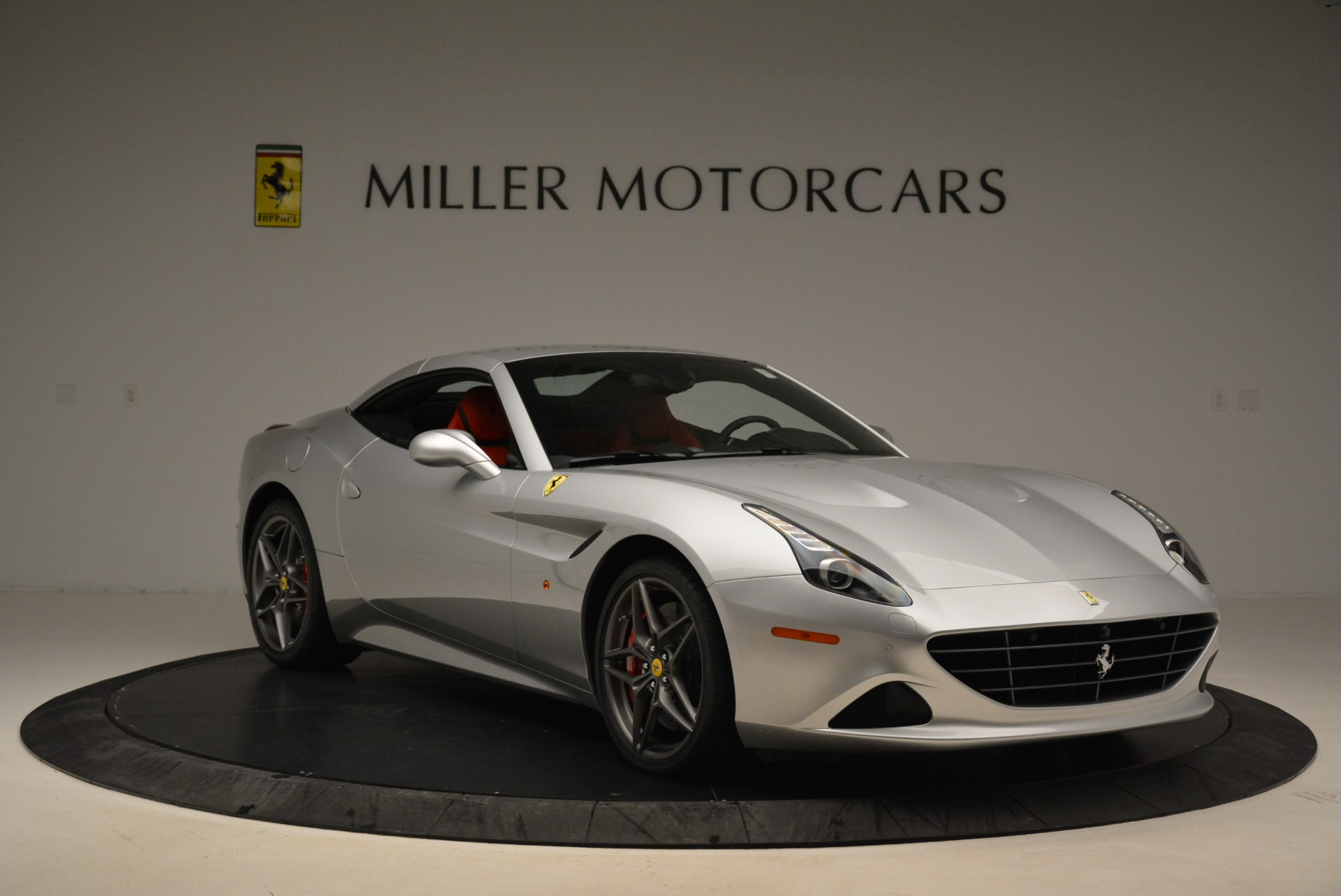Used 2017 Ferrari California T Handling Speciale For Sale In Westport, CT 2037_p23