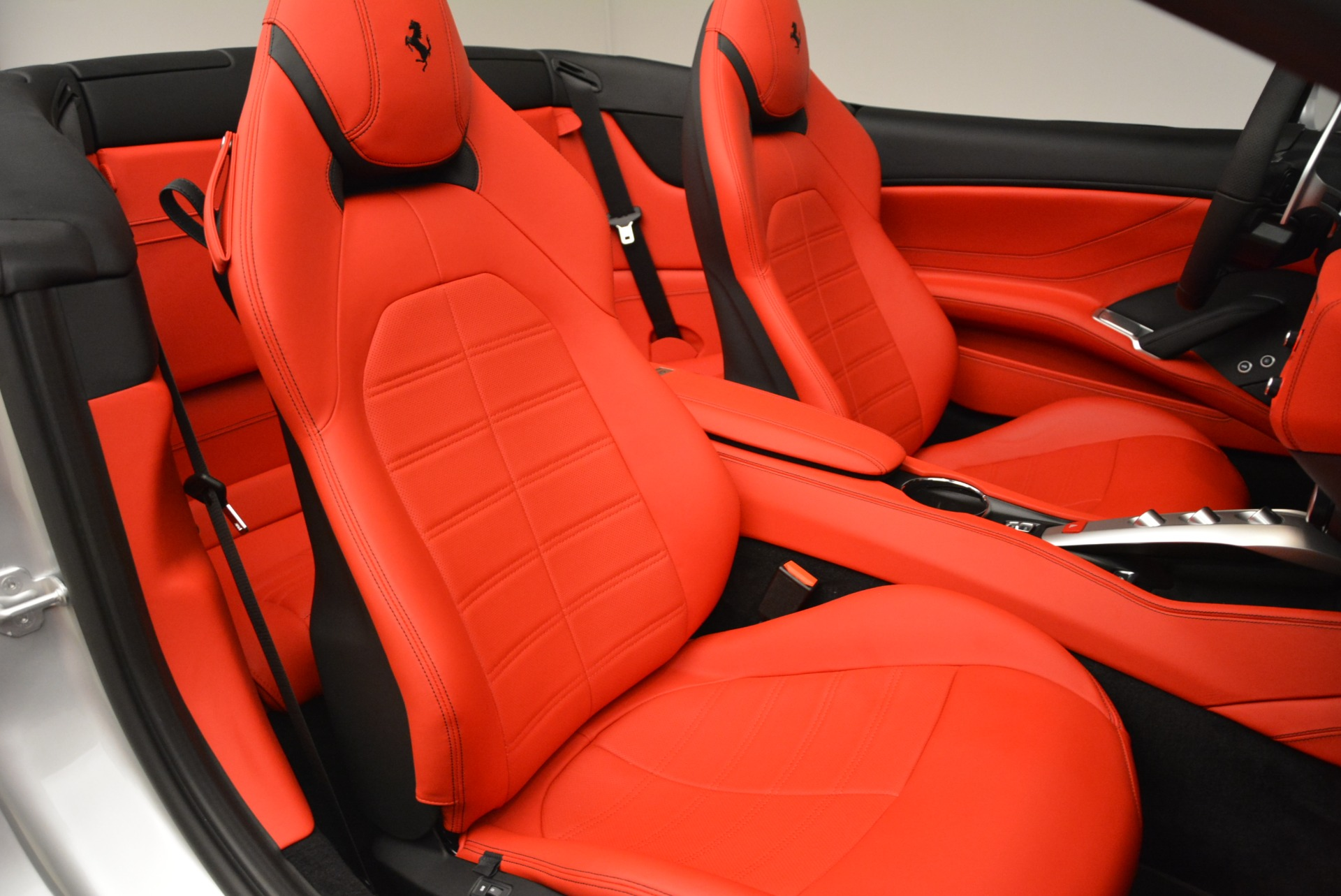 Used 2017 Ferrari California T Handling Speciale For Sale In Westport, CT 2037_p32