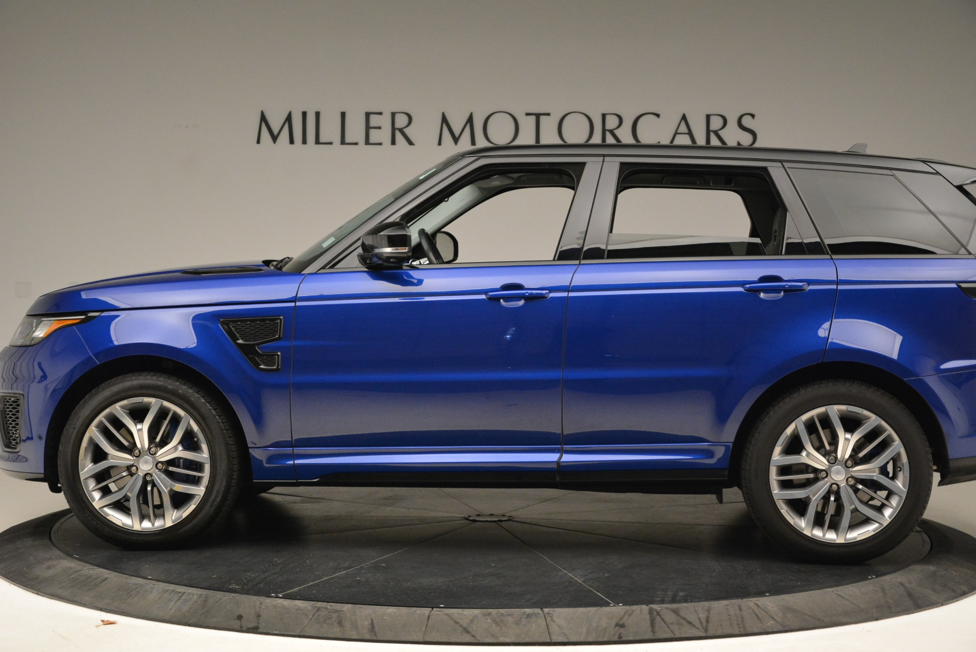 Used 2015 Land Rover Range Rover Sport SVR For Sale In Westport, CT 2046_p3