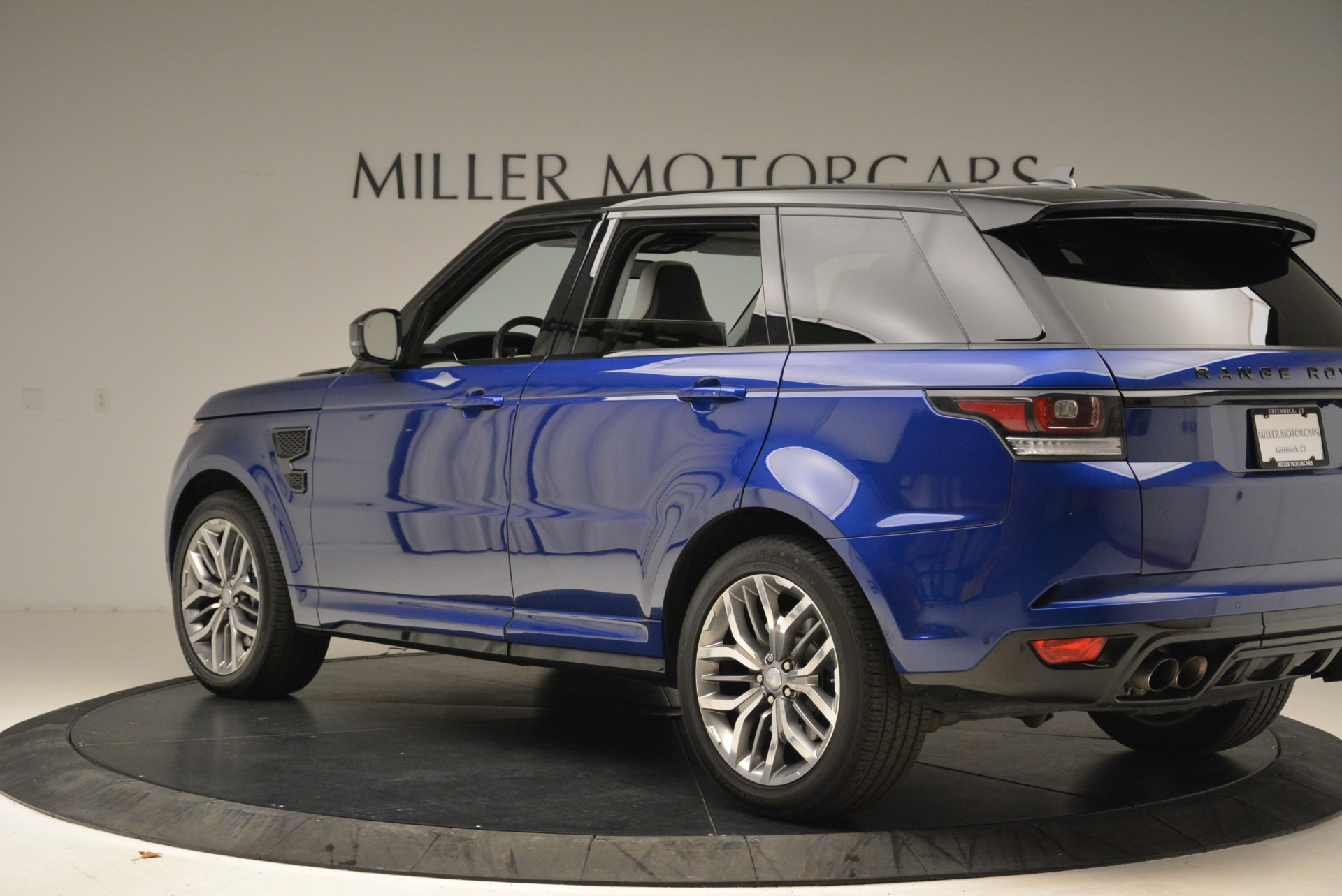 Used 2015 Land Rover Range Rover Sport SVR For Sale In Westport, CT 2046_p4