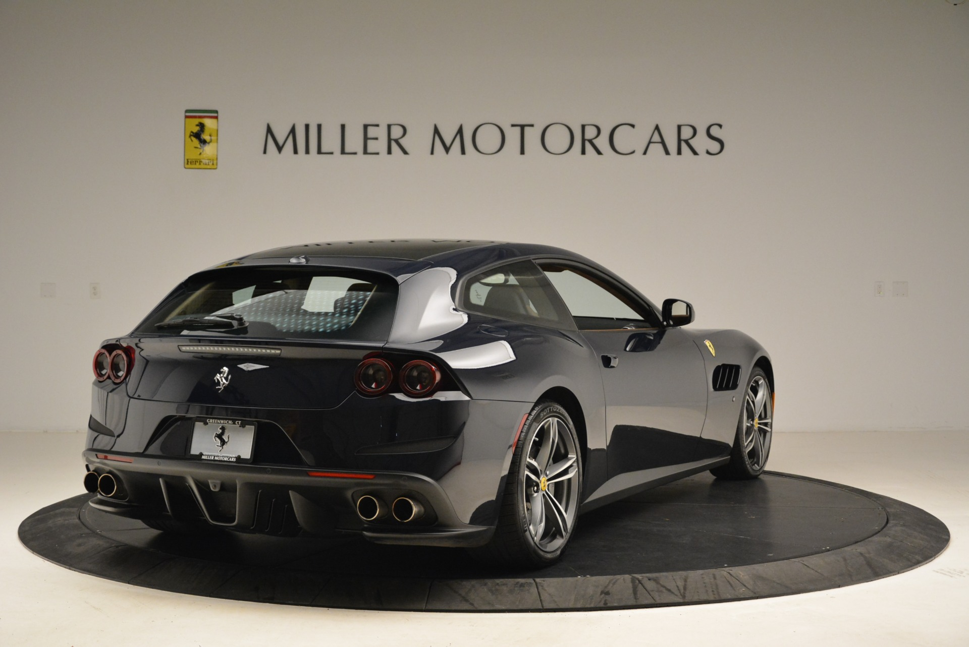 Used 2017 Ferrari GTC4Lusso  For Sale In Westport, CT 2047_p7