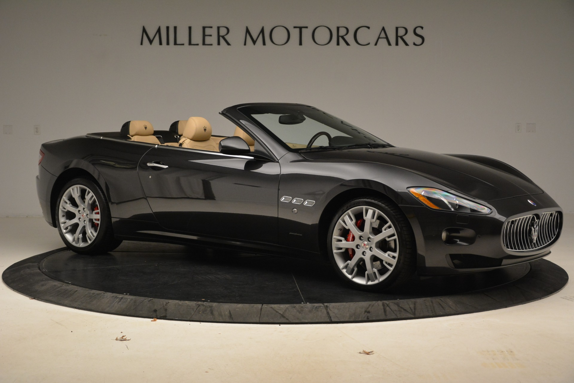 Used 2013 Maserati GranTurismo Convertible  For Sale In Westport, CT 2050_p10