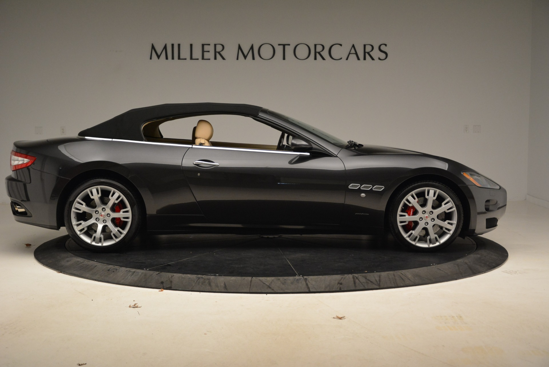 Used 2013 Maserati GranTurismo Convertible  For Sale In Westport, CT 2050_p21
