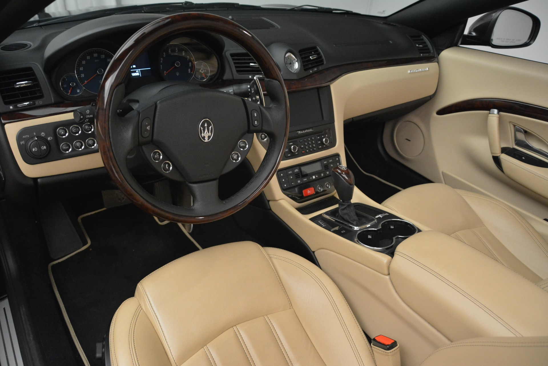 Used 2013 Maserati GranTurismo Convertible  For Sale In Westport, CT 2050_p25