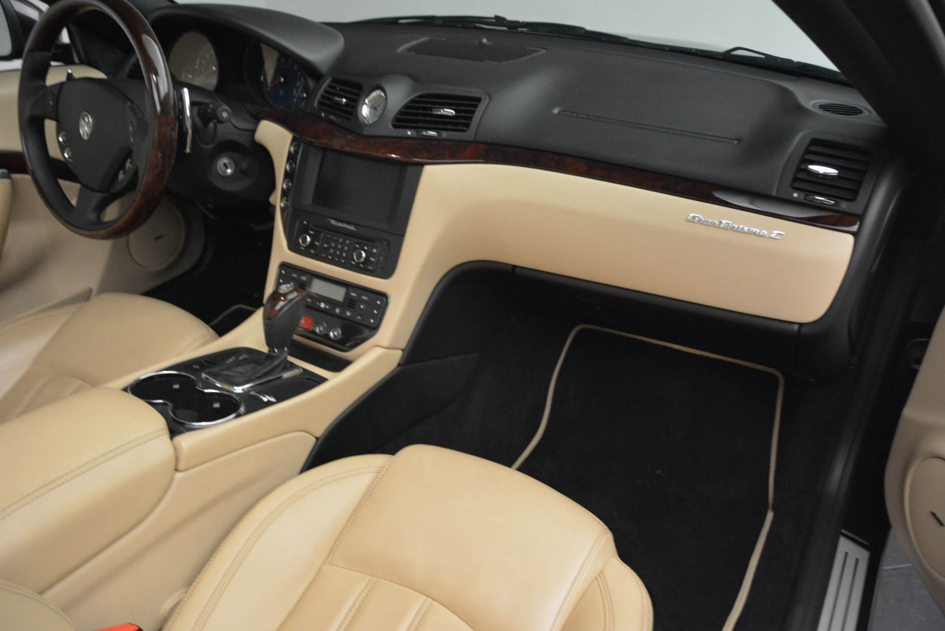 Used 2013 Maserati GranTurismo Convertible  For Sale In Westport, CT 2050_p32