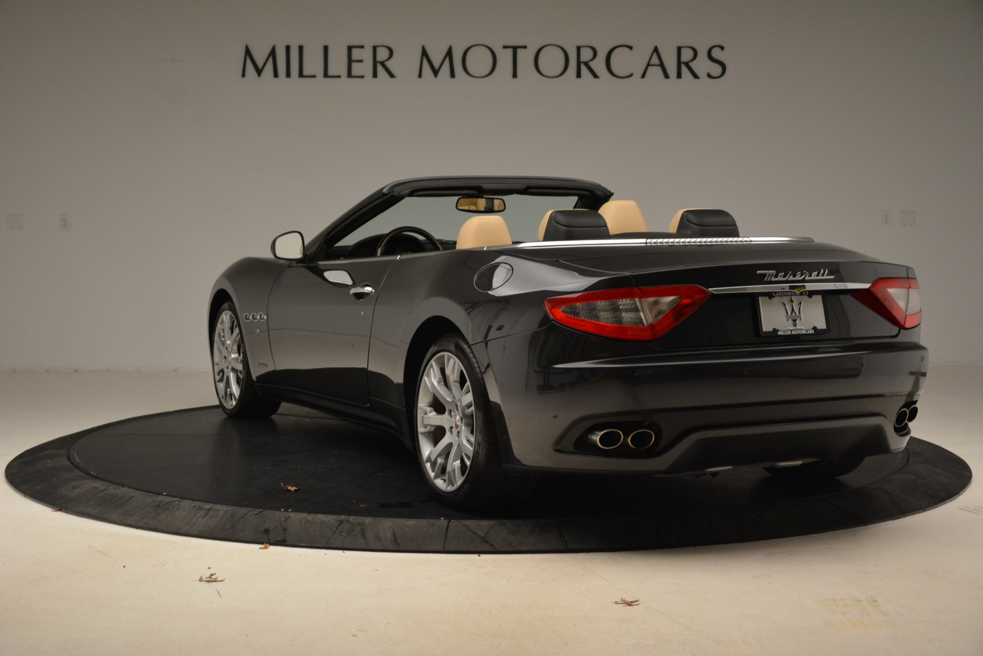 Used 2013 Maserati GranTurismo Convertible  For Sale In Westport, CT 2050_p5