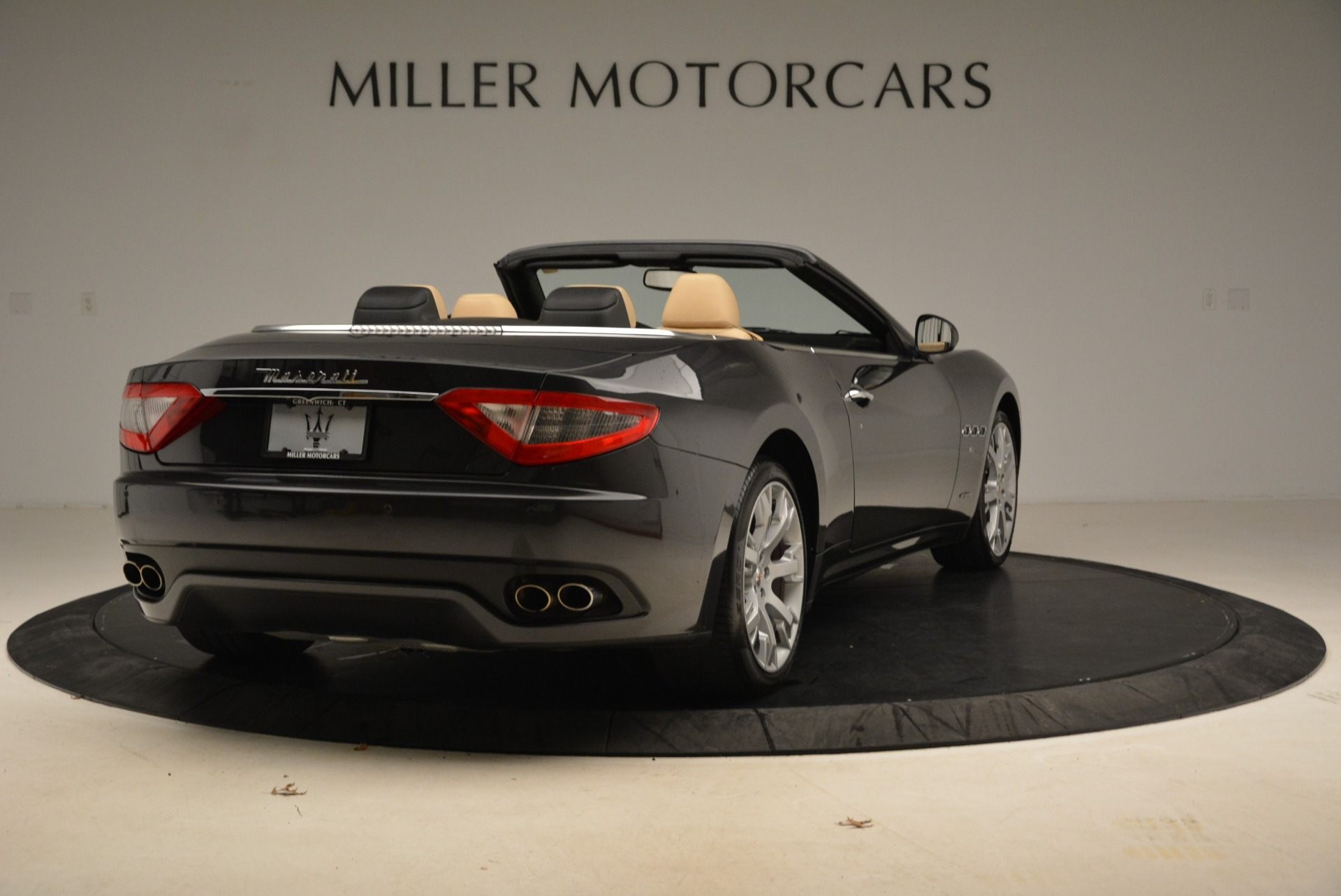 Used 2013 Maserati GranTurismo Convertible  For Sale In Westport, CT 2050_p7
