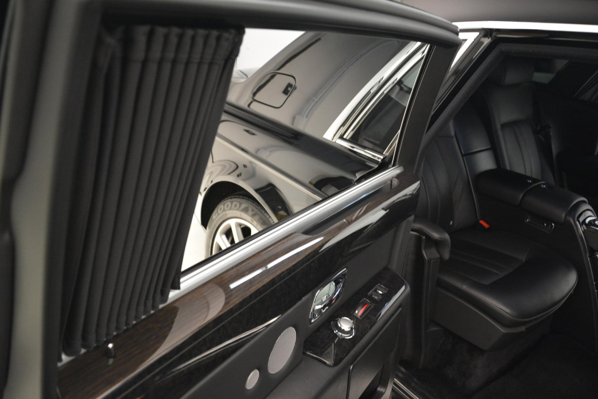 Used 2014 Rolls-Royce Phantom EWB For Sale In Westport, CT 2051_p12