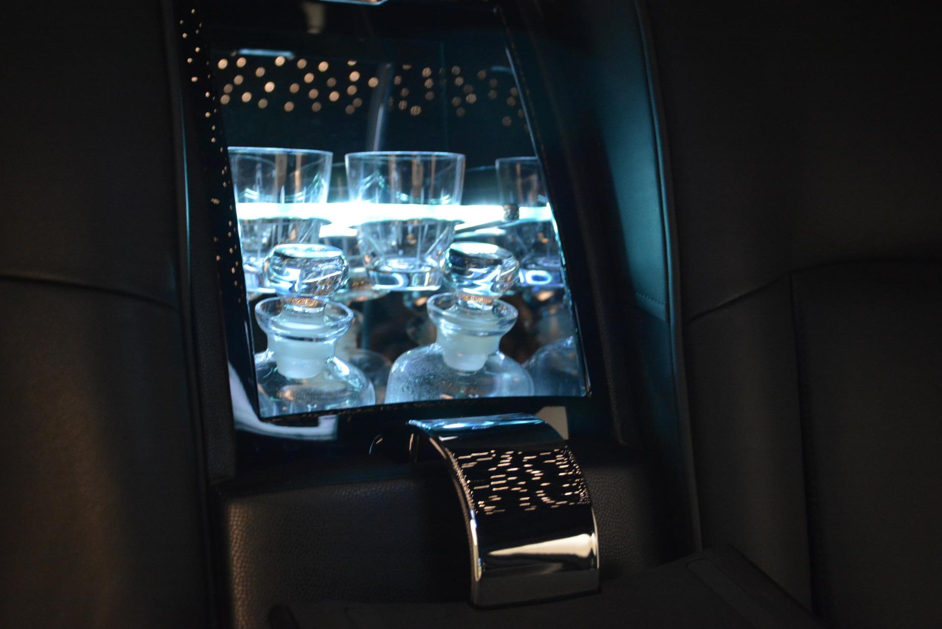 Used 2014 Rolls-Royce Phantom EWB For Sale In Westport, CT 2051_p19