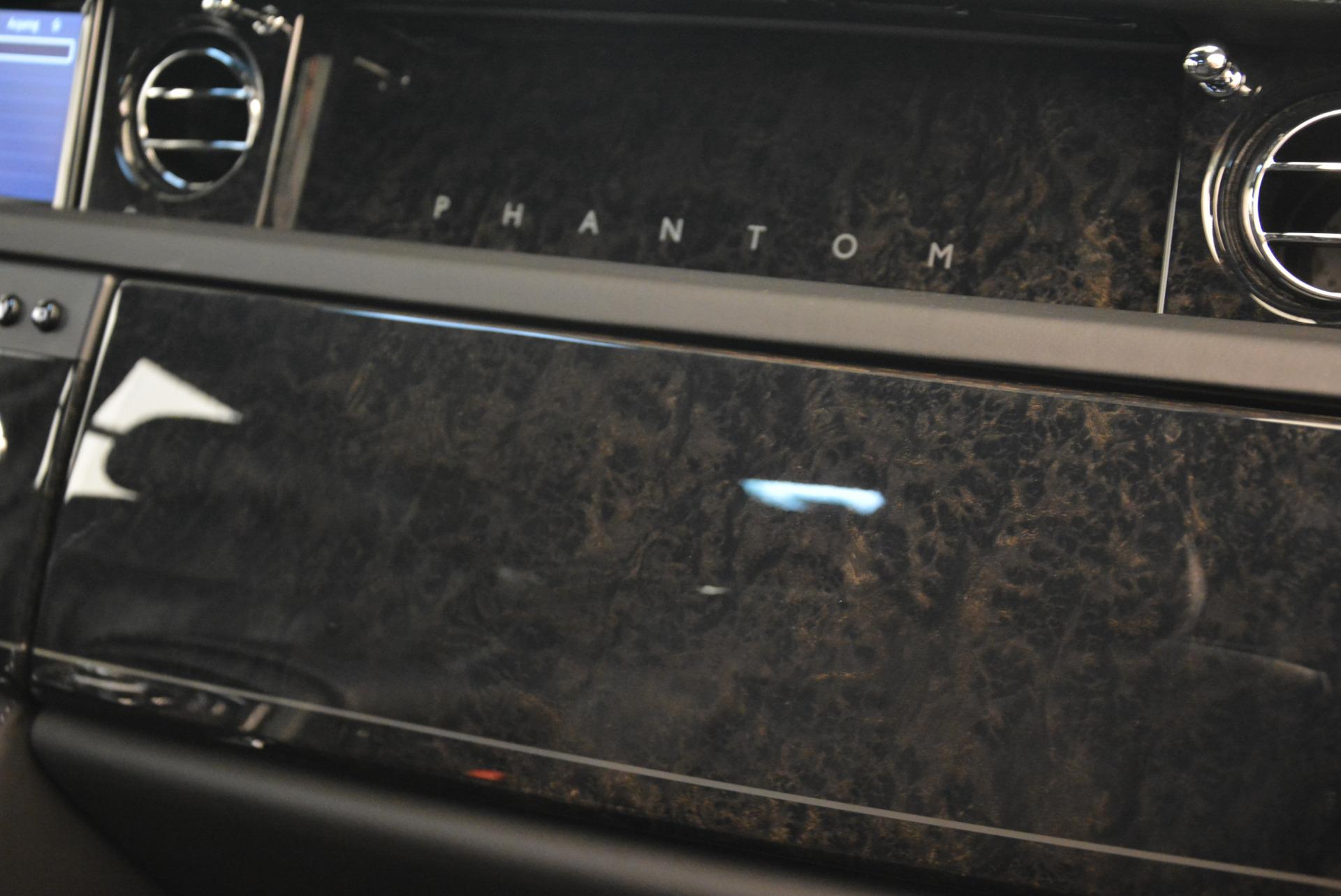 Used 2014 Rolls-Royce Phantom EWB For Sale In Westport, CT 2051_p24