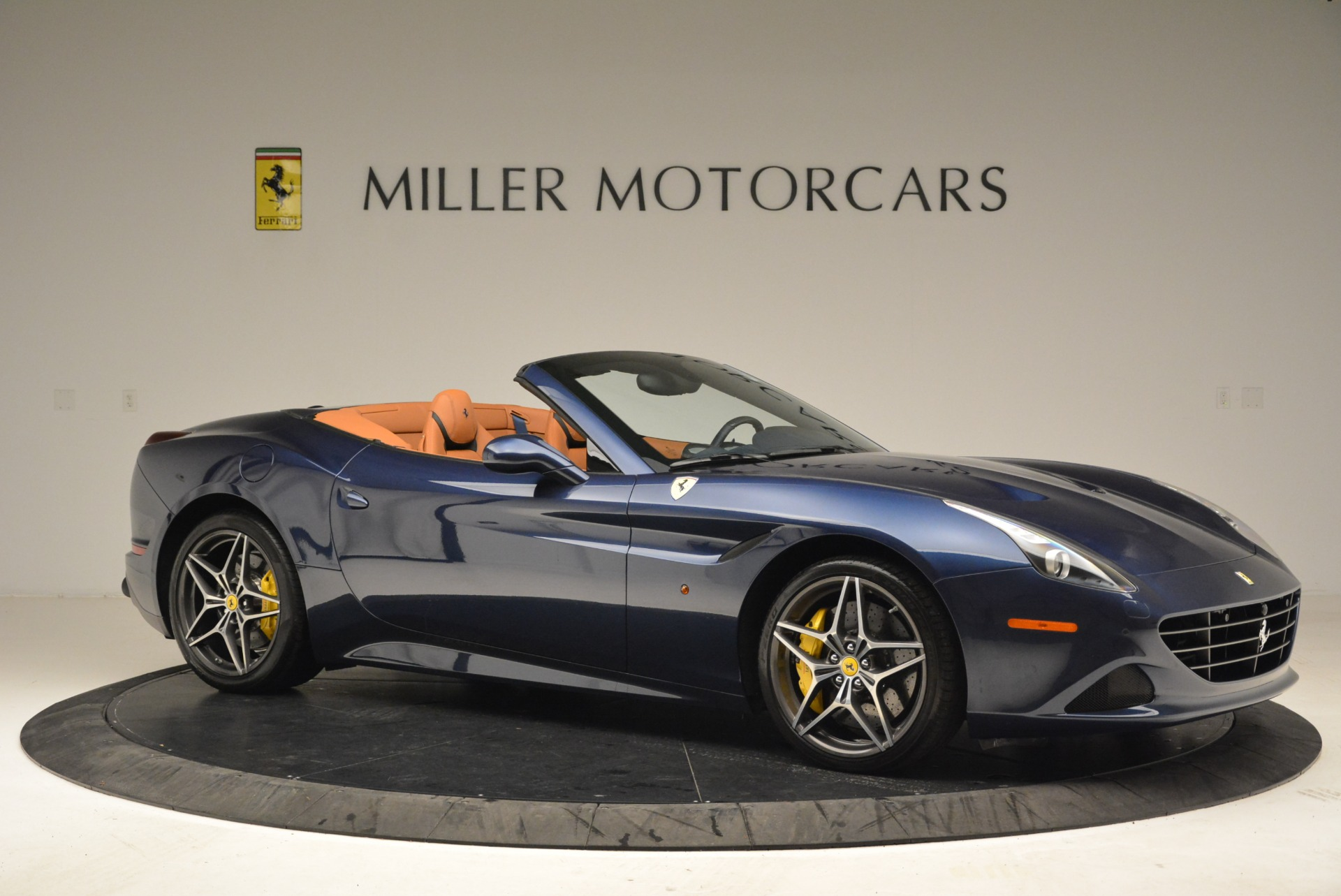 Used 2017 Ferrari California T Handling Speciale For Sale In Westport, CT 2052_p10