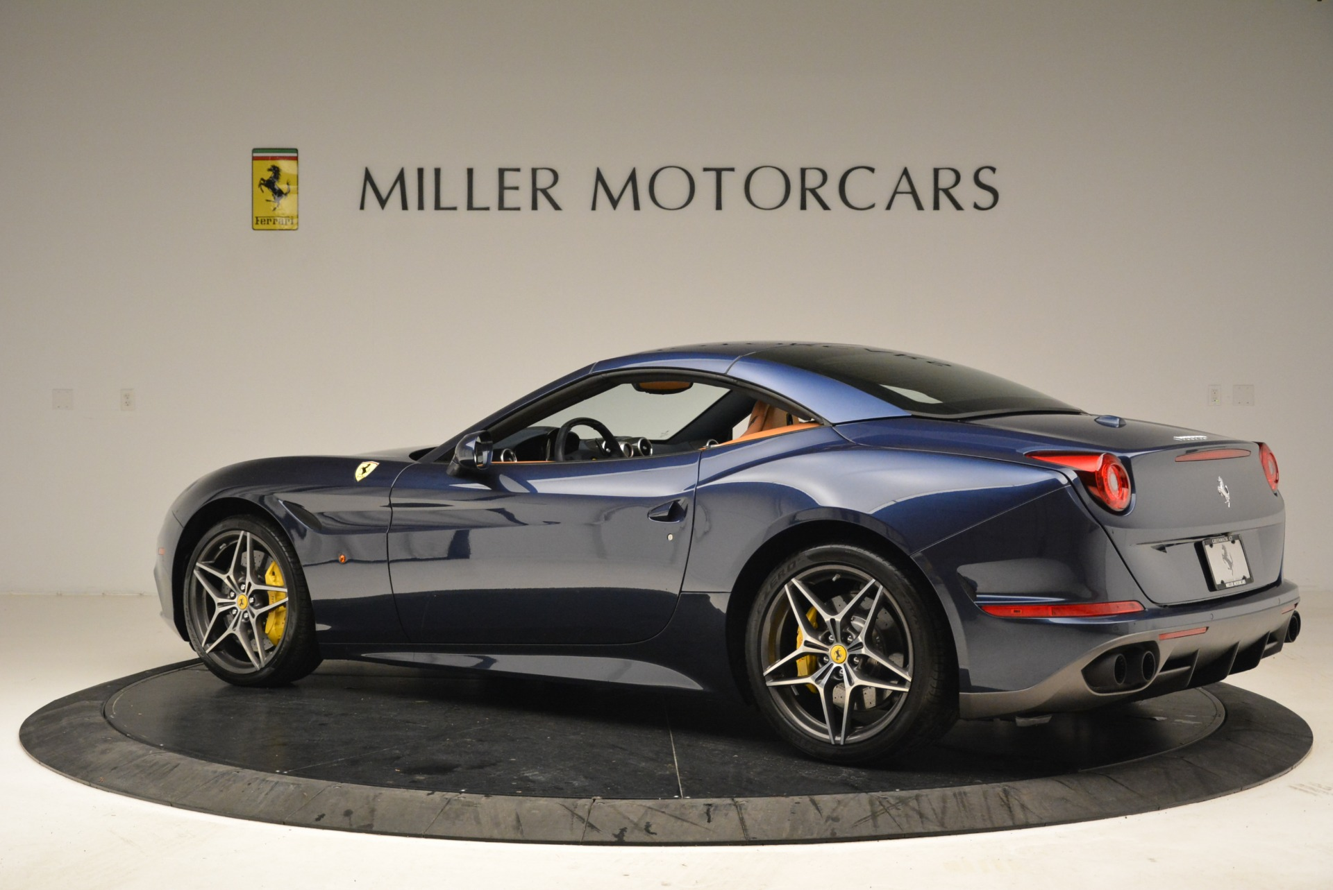 Used 2017 Ferrari California T Handling Speciale For Sale In Westport, CT 2052_p16