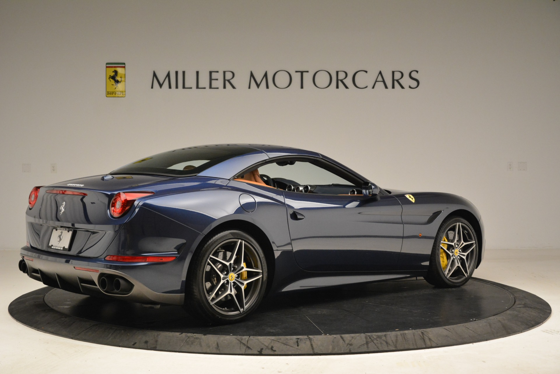 Used 2017 Ferrari California T Handling Speciale For Sale In Westport, CT 2052_p20