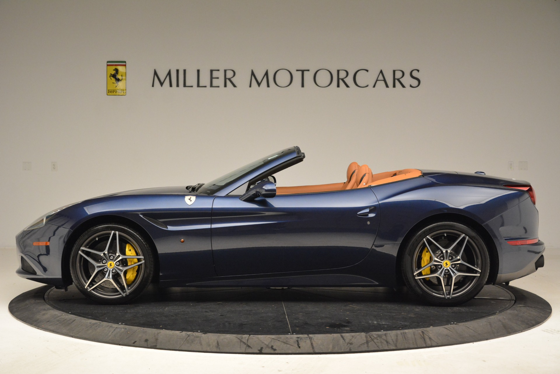 Used 2017 Ferrari California T Handling Speciale For Sale In Westport, CT 2052_p3