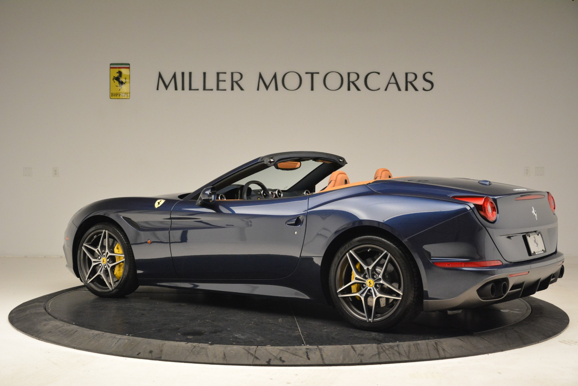 Used 2017 Ferrari California T Handling Speciale For Sale In Westport, CT 2052_p4