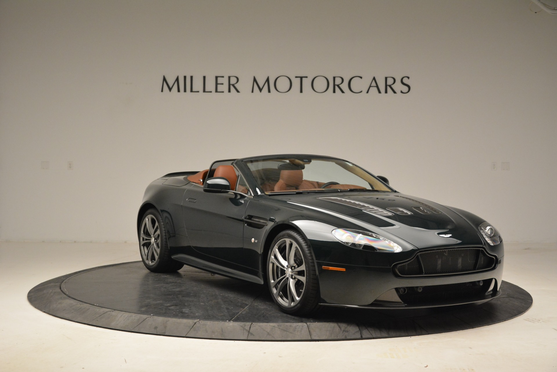 Used 2017 Aston Martin V12 Vantage S Roadster For Sale In Westport, CT 2055_p11