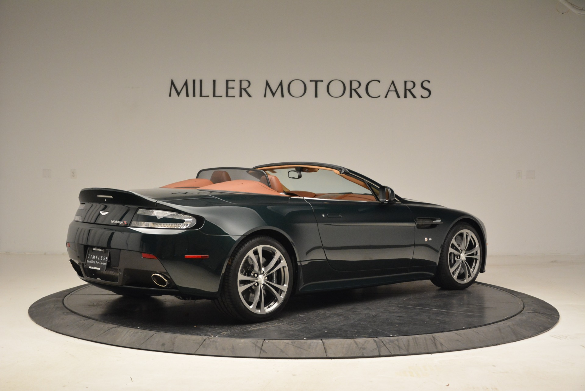 Used 2017 Aston Martin V12 Vantage S Roadster For Sale In Westport, CT 2055_p8