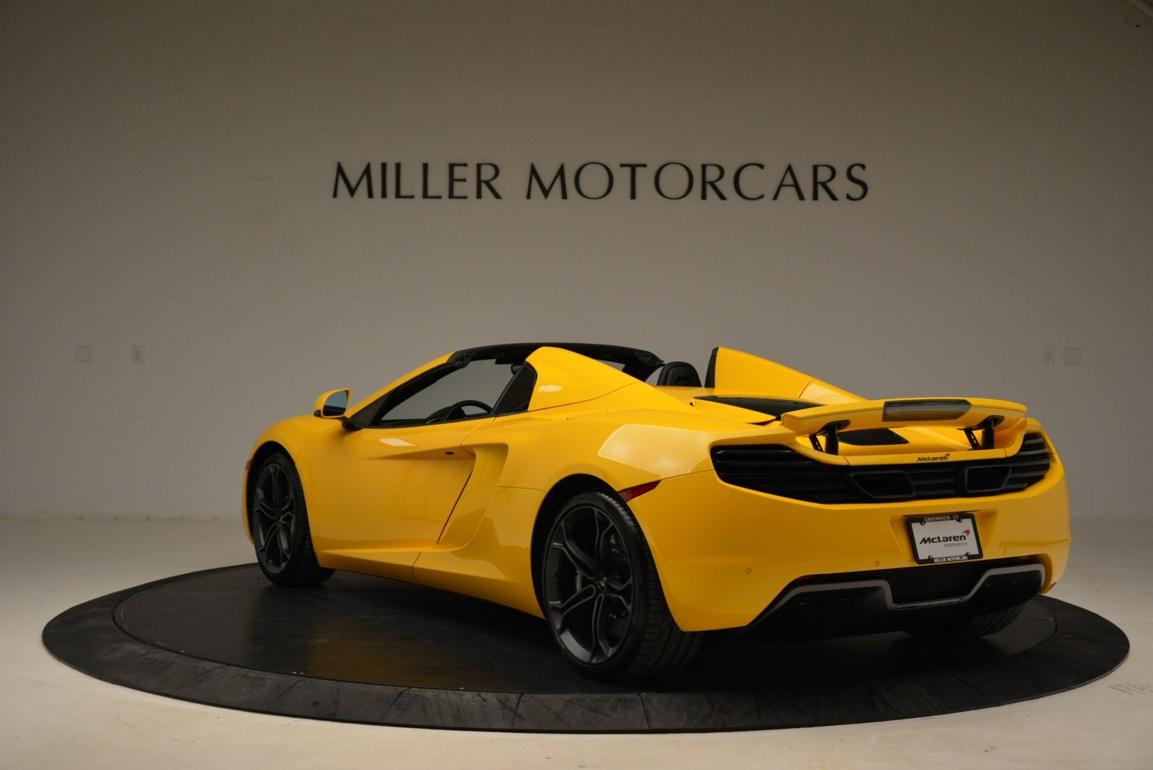 Used 2014 McLaren MP4-12C Spider For Sale In Westport, CT 2057_p5