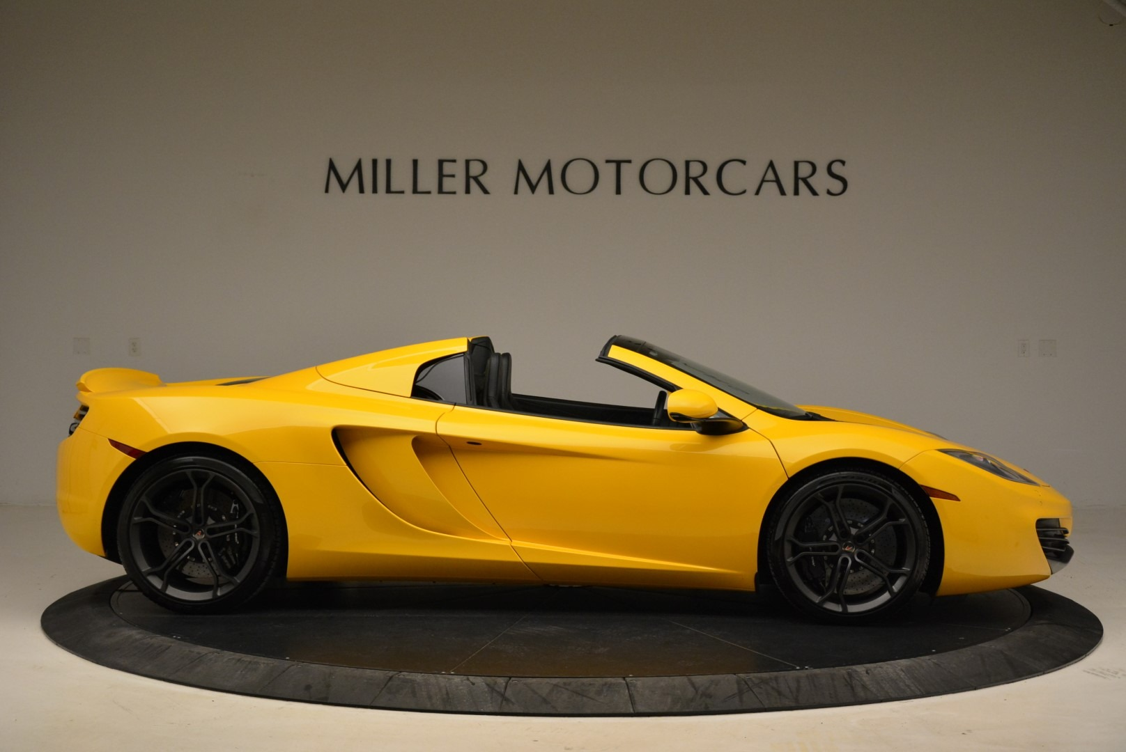 Used 2014 McLaren MP4-12C Spider For Sale In Westport, CT 2057_p9