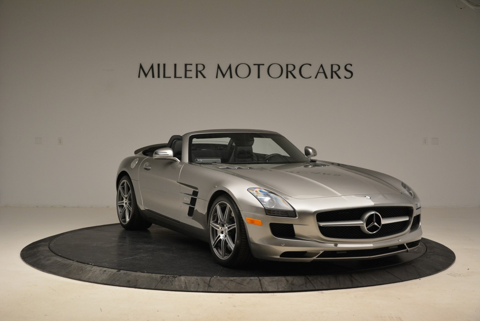 Used 2012 Mercedes-Benz SLS AMG  For Sale In Westport, CT 2068_p11