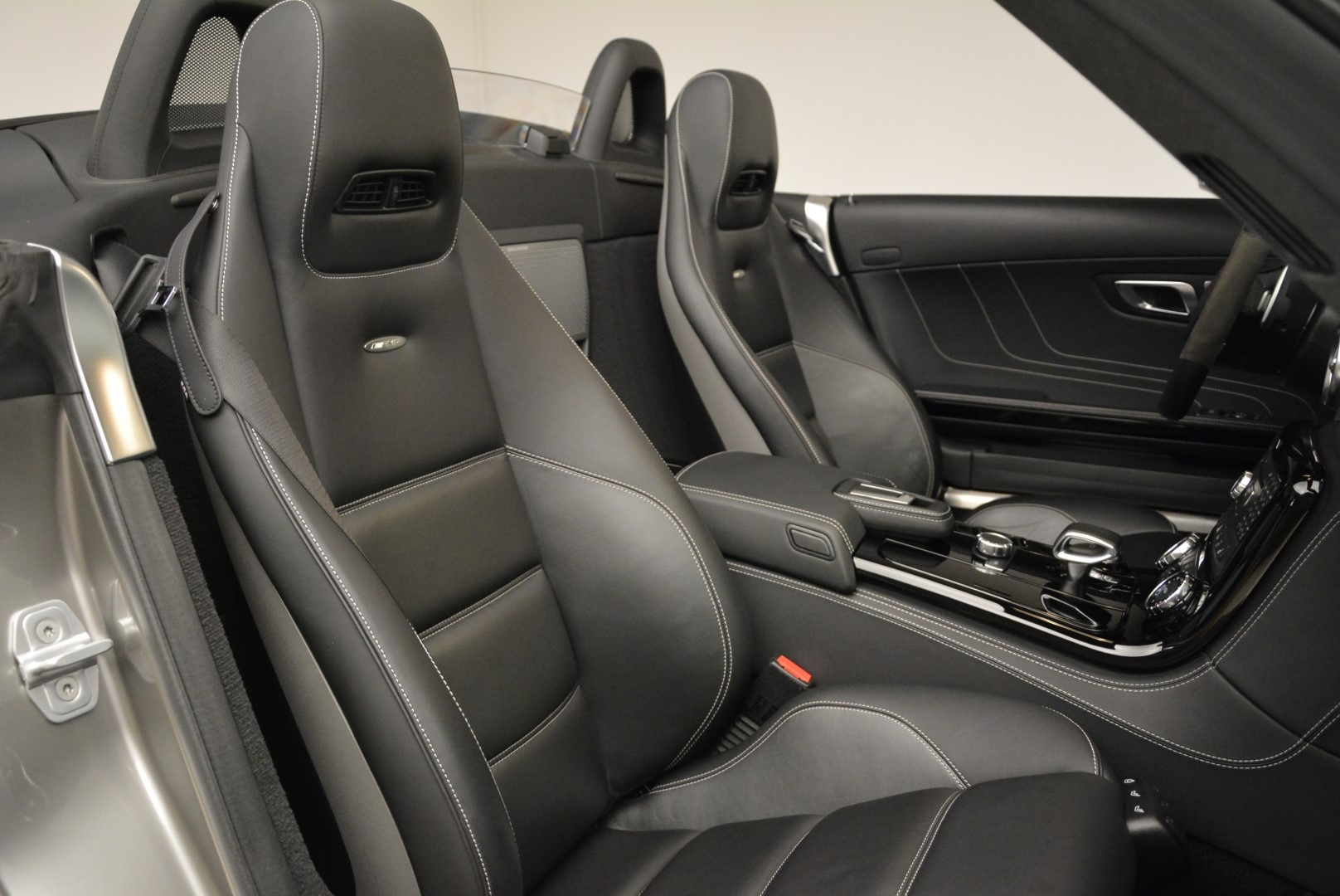Used 2012 Mercedes-Benz SLS AMG  For Sale In Westport, CT 2068_p28