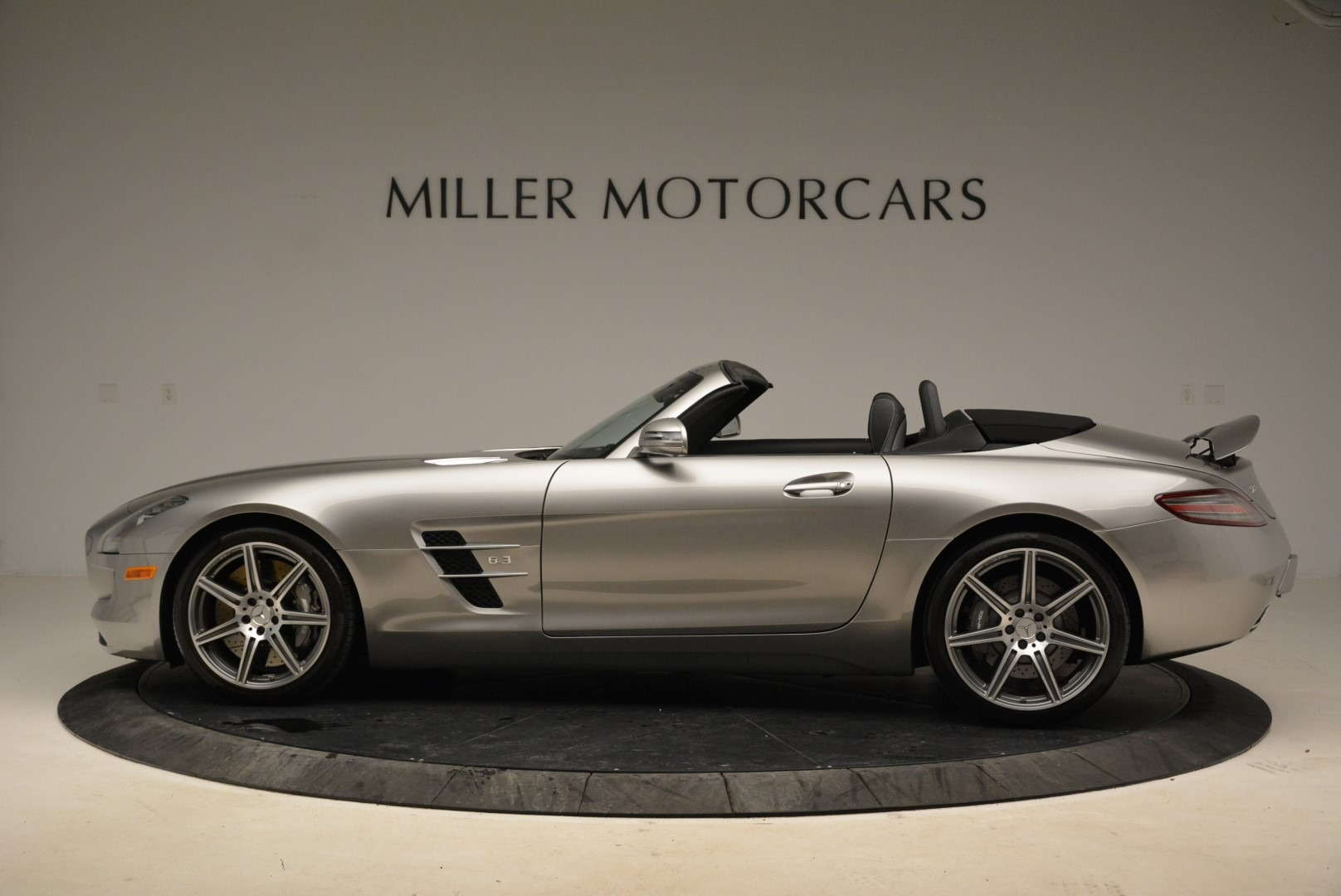 Used 2012 Mercedes-Benz SLS AMG  For Sale In Westport, CT 2068_p3