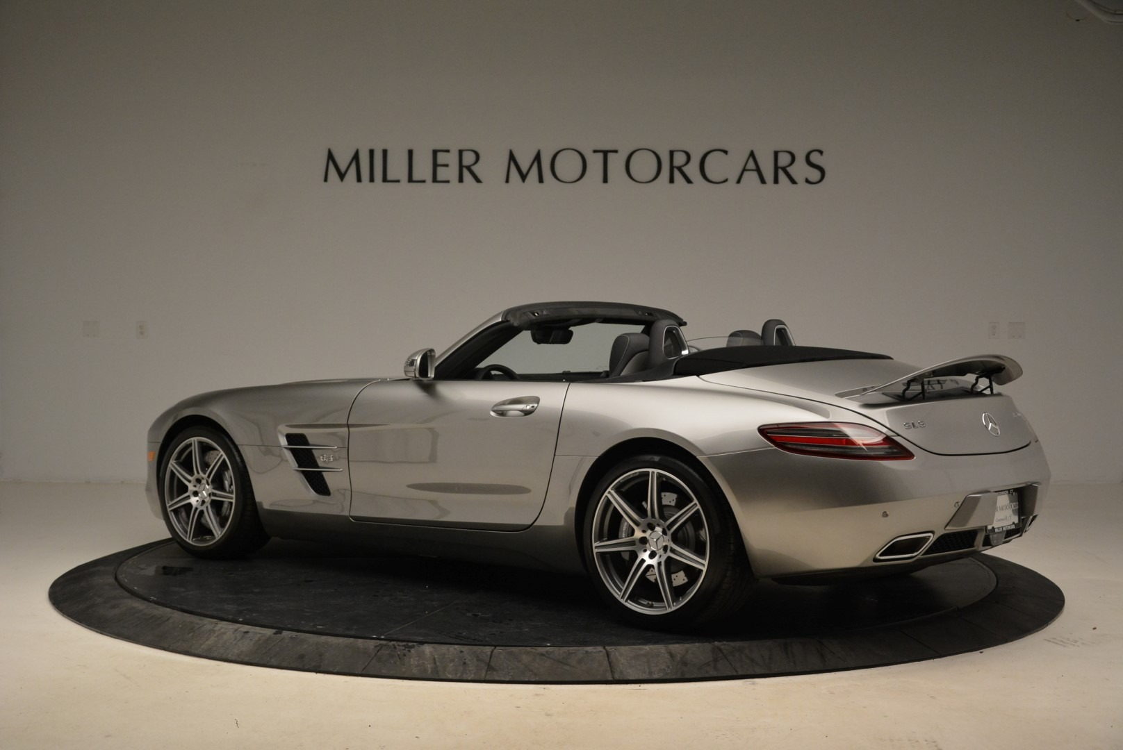 Used 2012 Mercedes-Benz SLS AMG  For Sale In Westport, CT 2068_p4