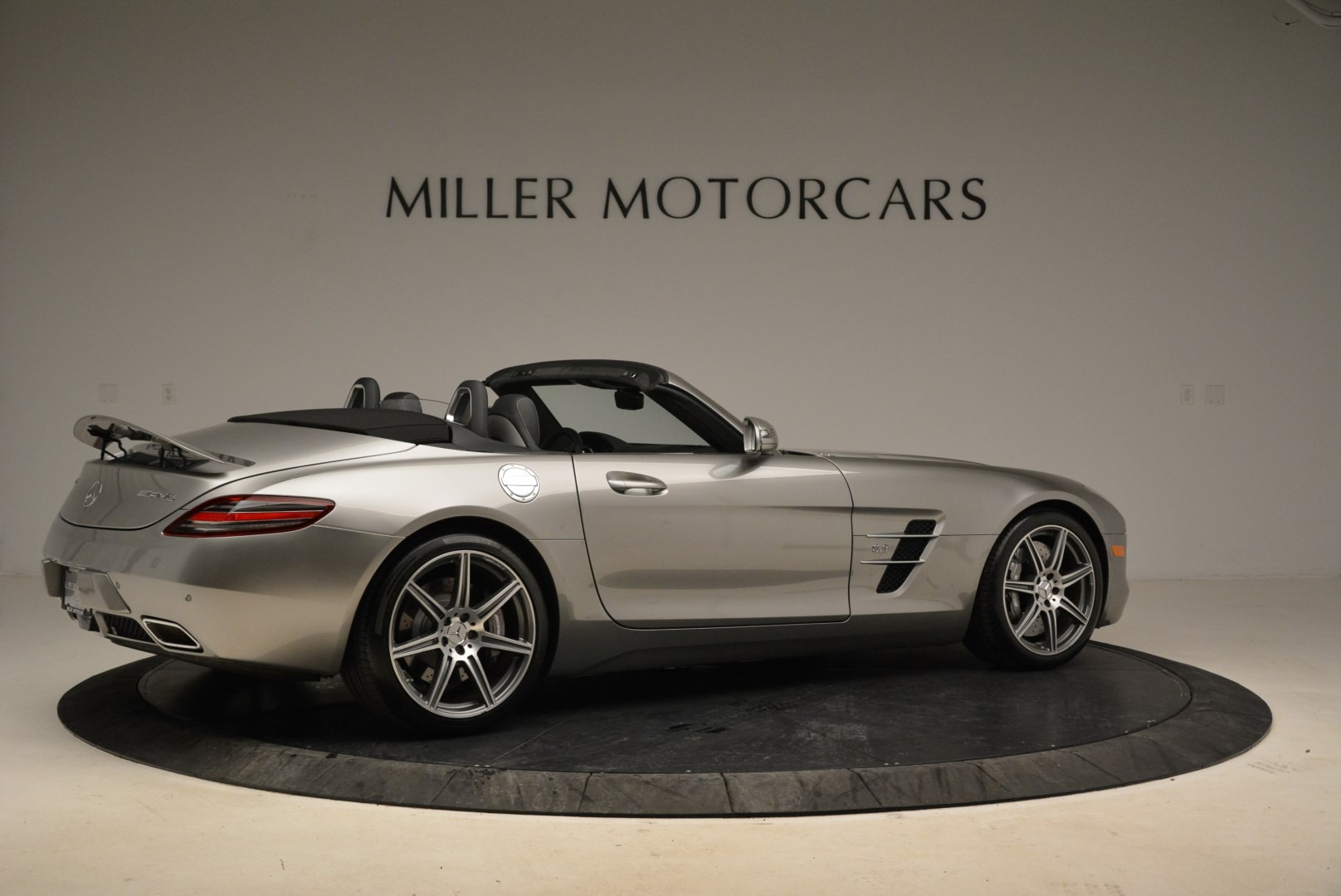 Used 2012 Mercedes-Benz SLS AMG  For Sale In Westport, CT 2068_p8