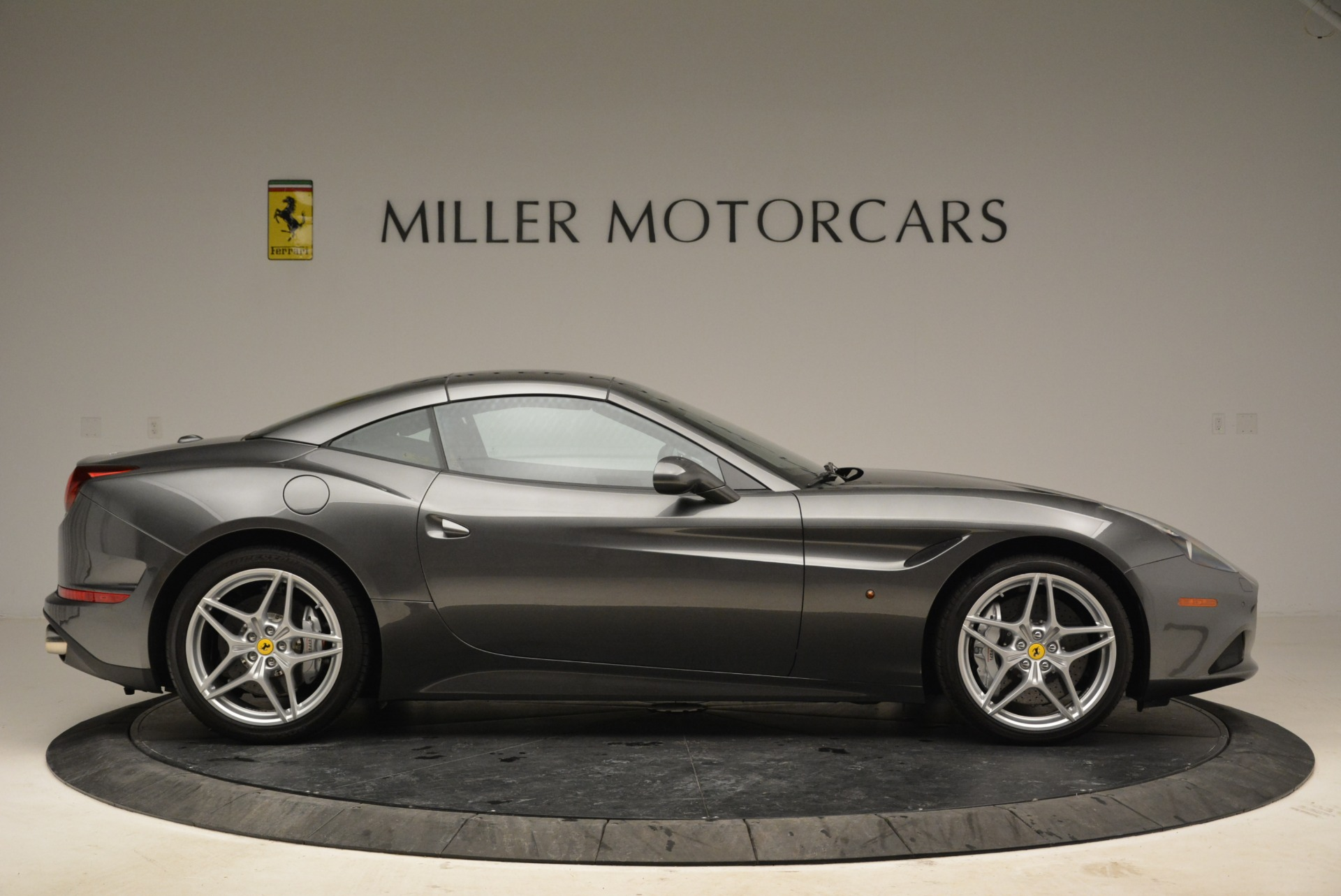 Used 2016 Ferrari California T  For Sale In Westport, CT 2069_p21
