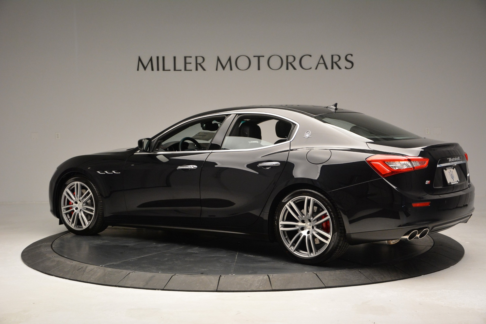 Used 2015 Maserati Ghibli S Q4 For Sale In Westport, CT 2070_p4