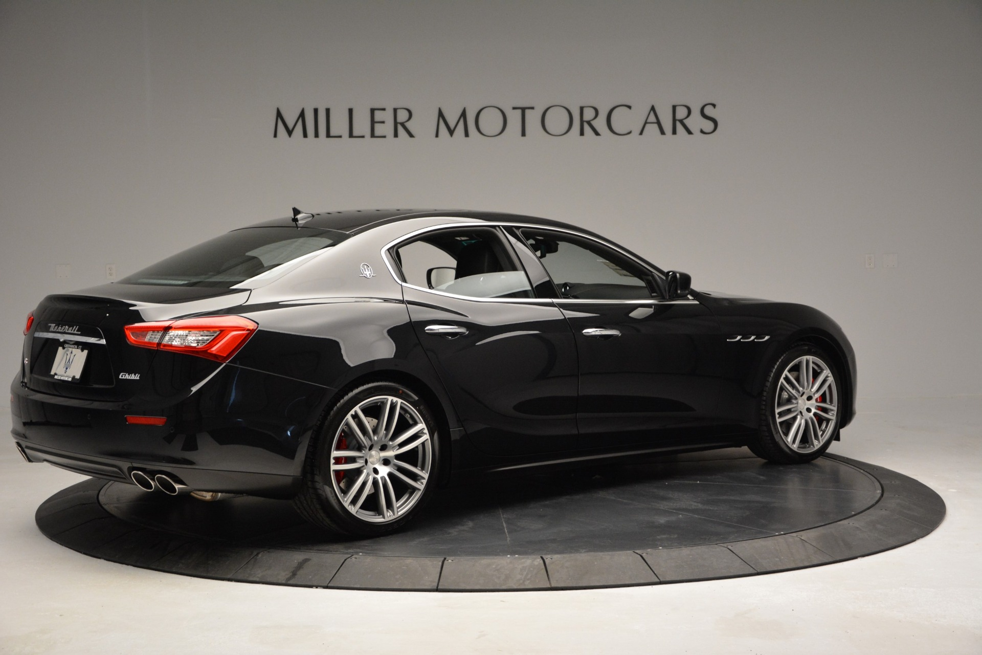 Used 2015 Maserati Ghibli S Q4 For Sale In Westport, CT 2070_p8