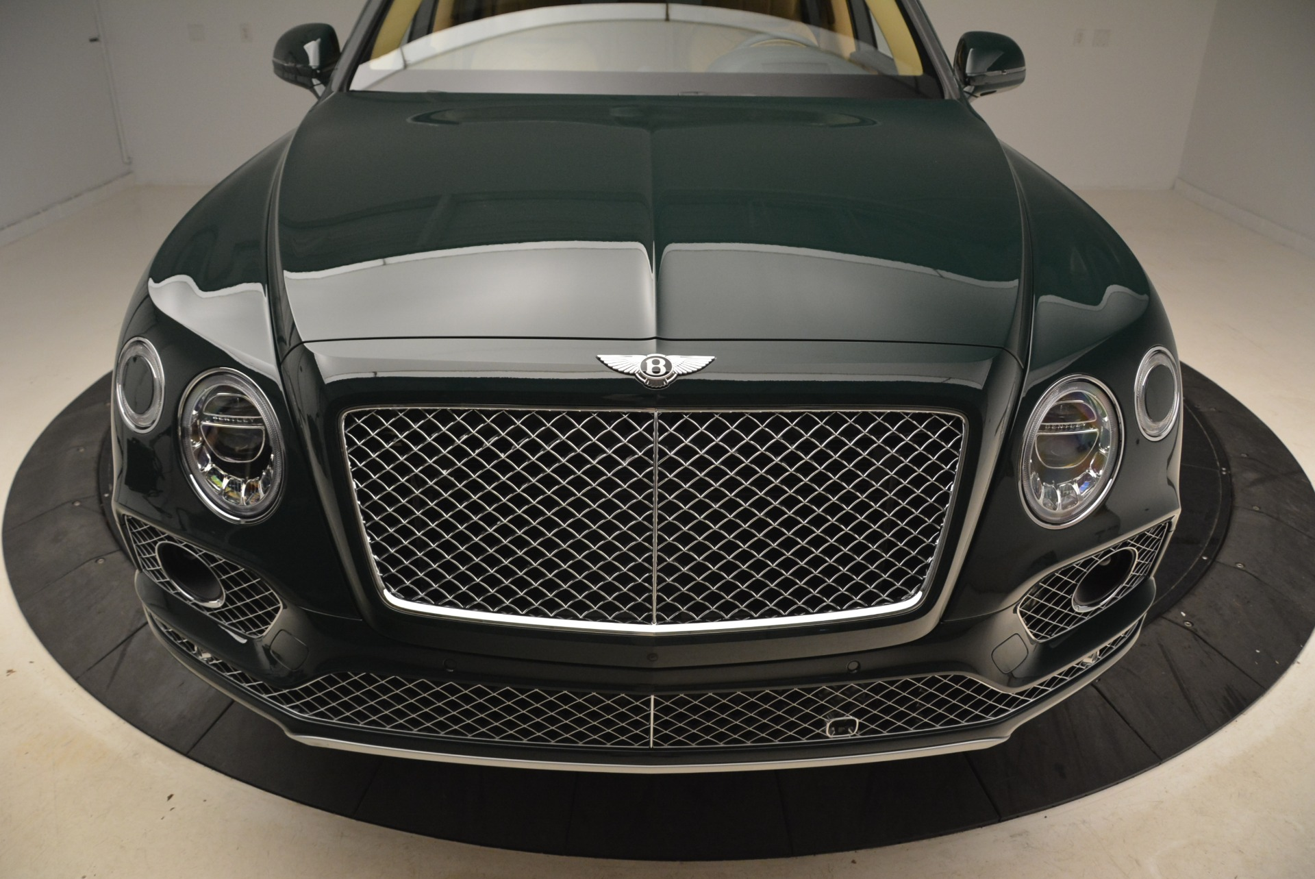 New 2018 Bentley Bentayga Signature For Sale In Westport, CT 2072_p13