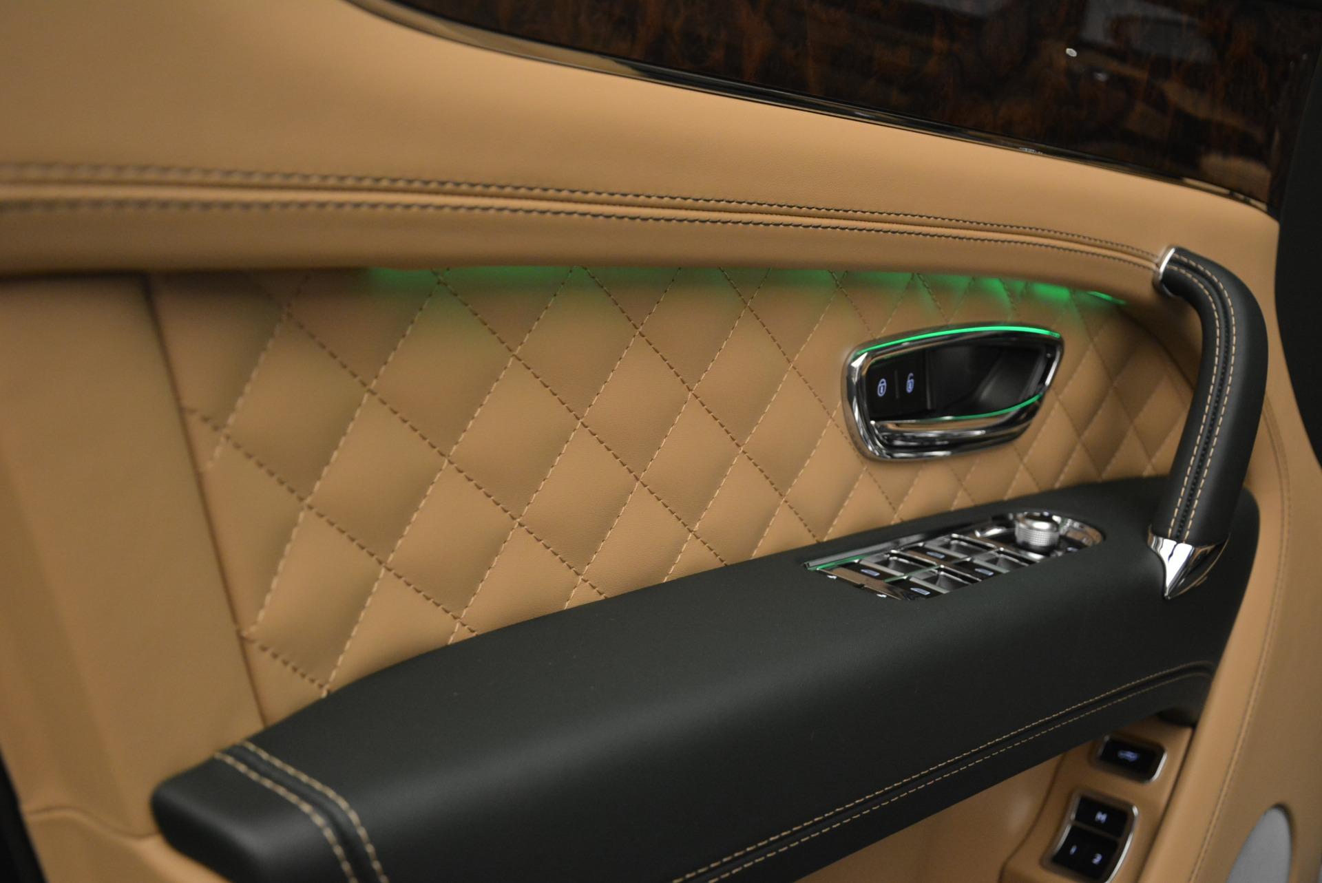 New 2018 Bentley Bentayga Signature For Sale In Westport, CT 2072_p23