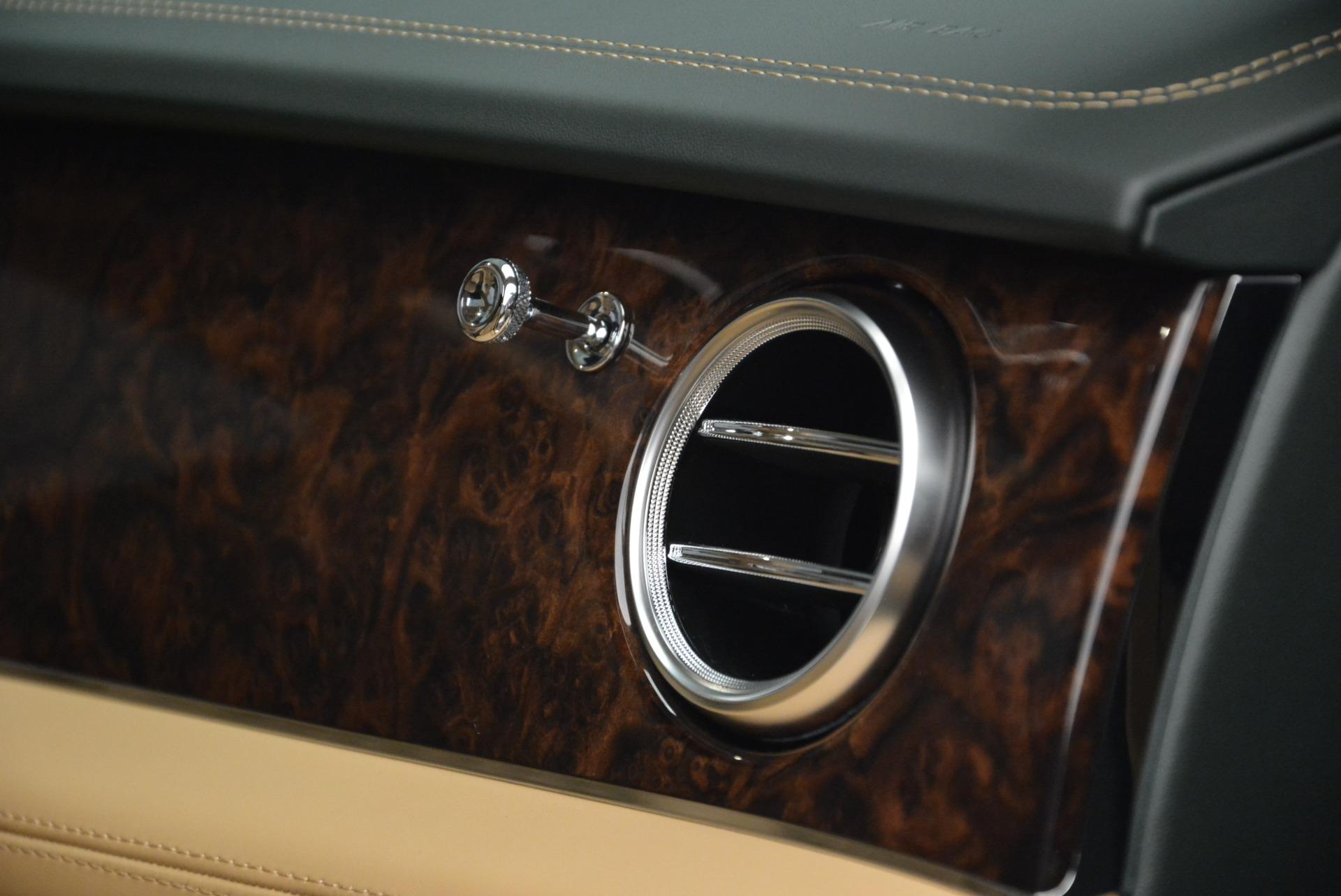 New 2018 Bentley Bentayga Signature For Sale In Westport, CT 2072_p43