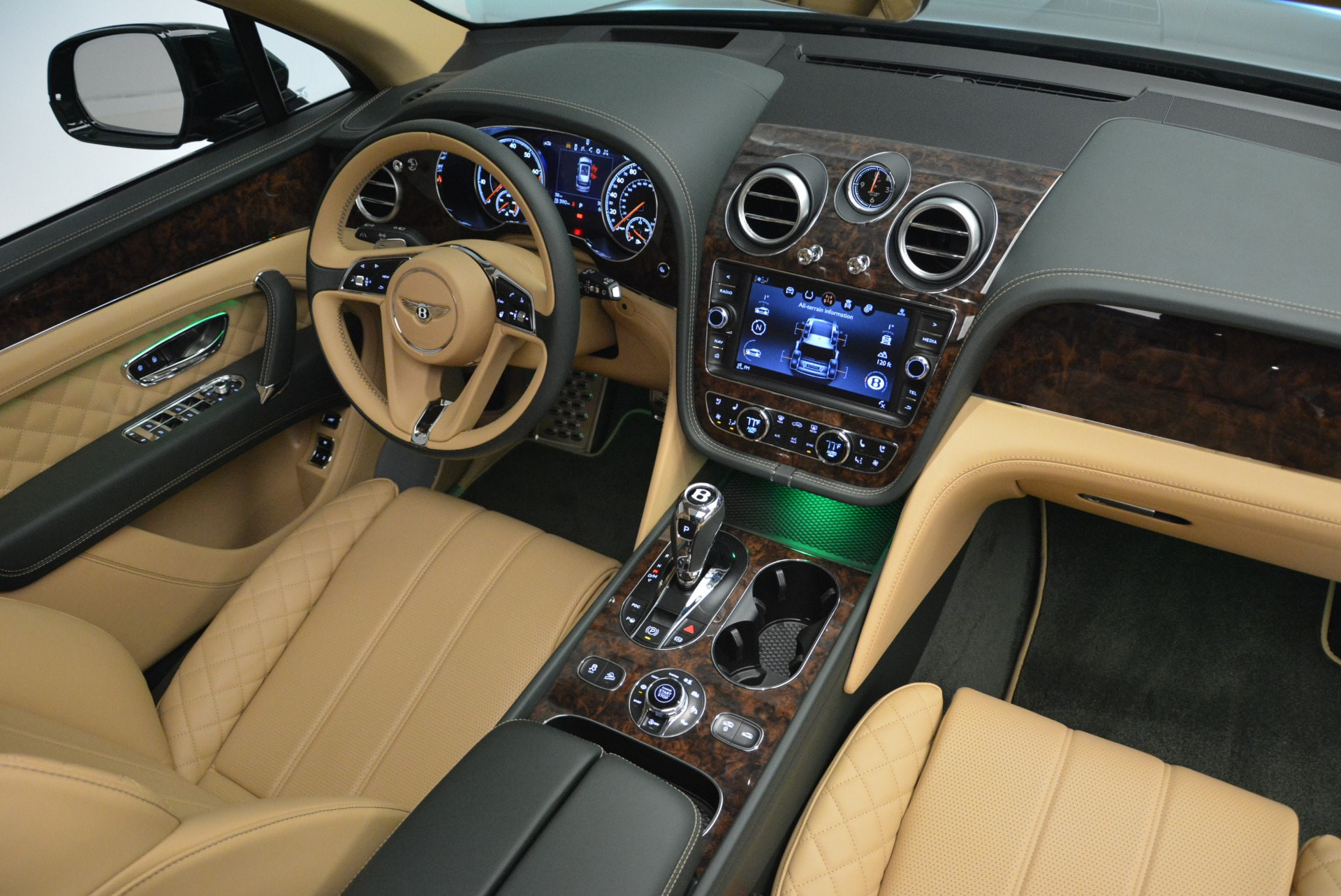 New 2018 Bentley Bentayga Signature For Sale In Westport, CT 2072_p45