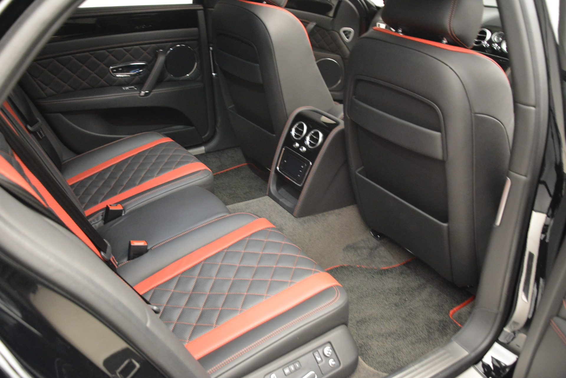 New 2018 Bentley Flying Spur V8 S Black Edition For Sale In Westport, CT 2073_p21