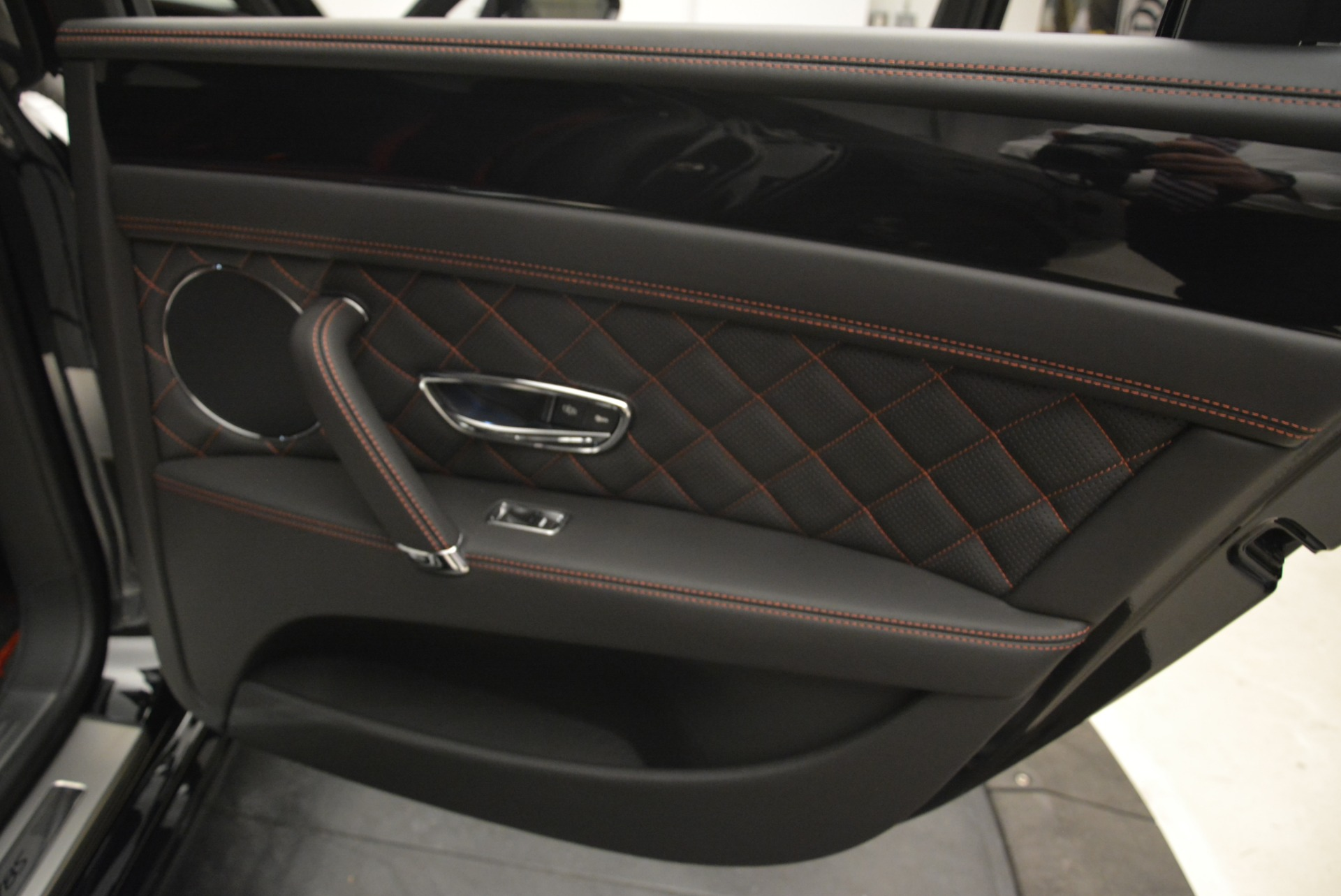 New 2018 Bentley Flying Spur V8 S Black Edition For Sale In Westport, CT 2073_p22