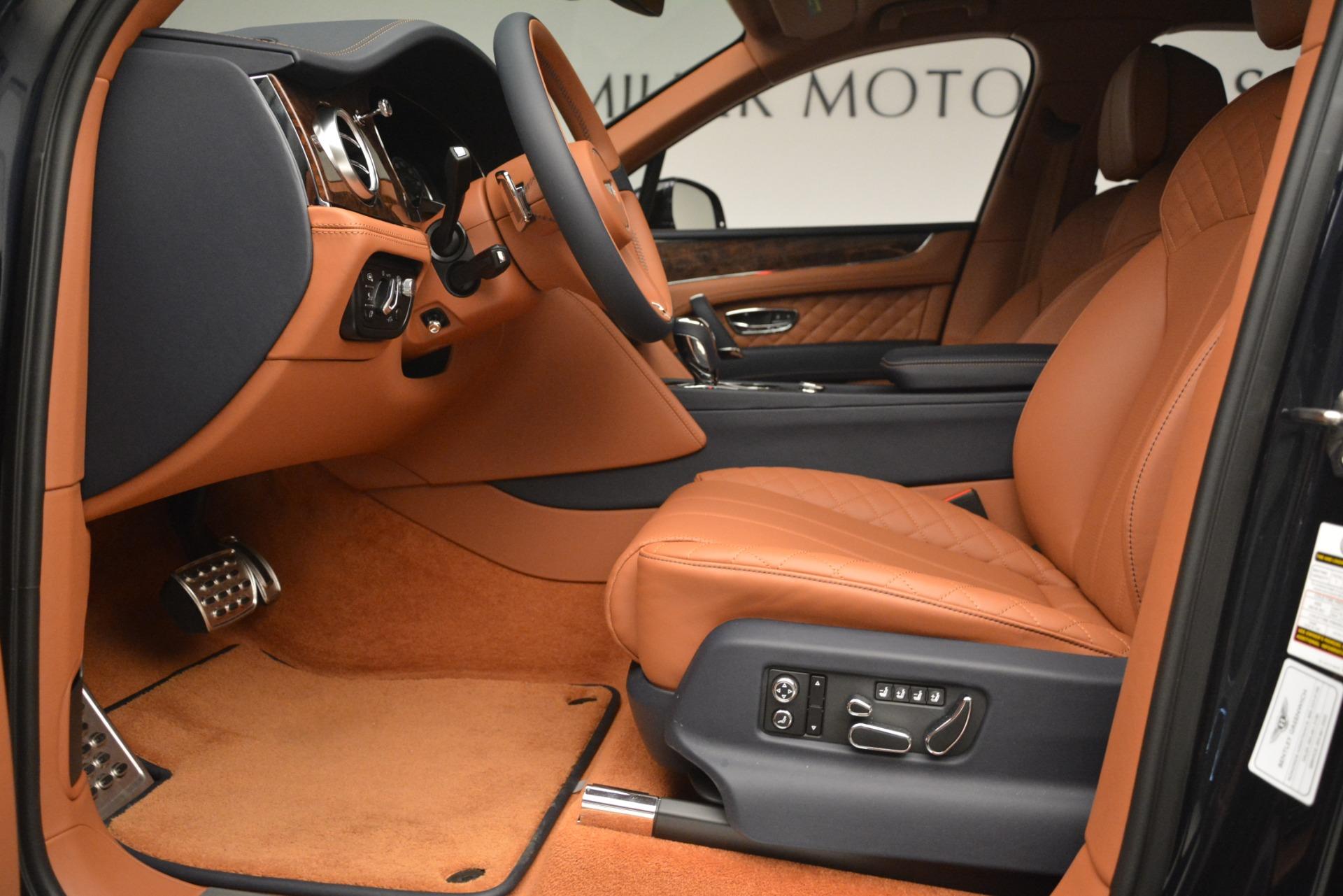 Used 2018 Bentley Bentayga Signature For Sale In Westport, CT 2076_p18