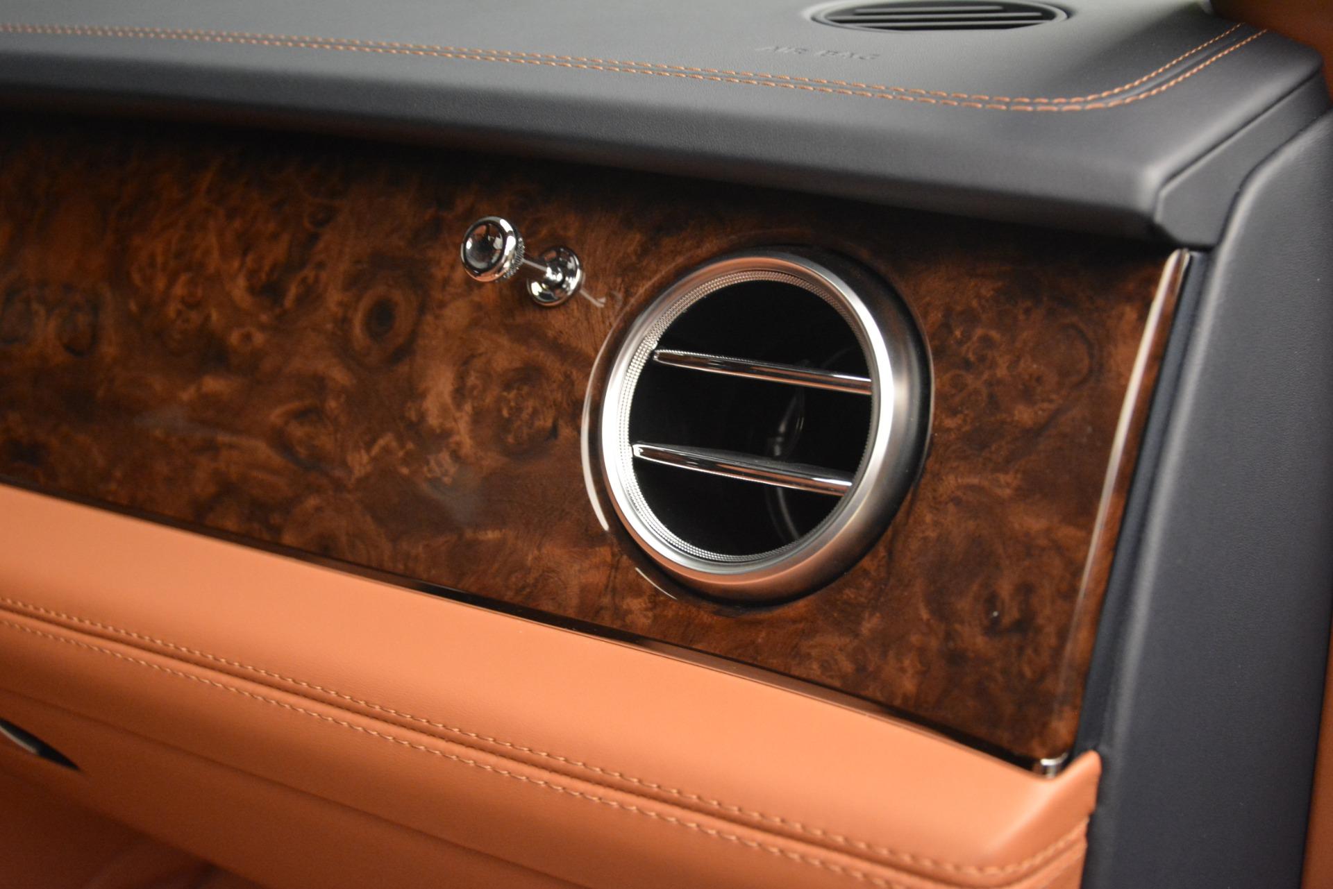 Used 2018 Bentley Bentayga Signature For Sale In Westport, CT 2076_p30