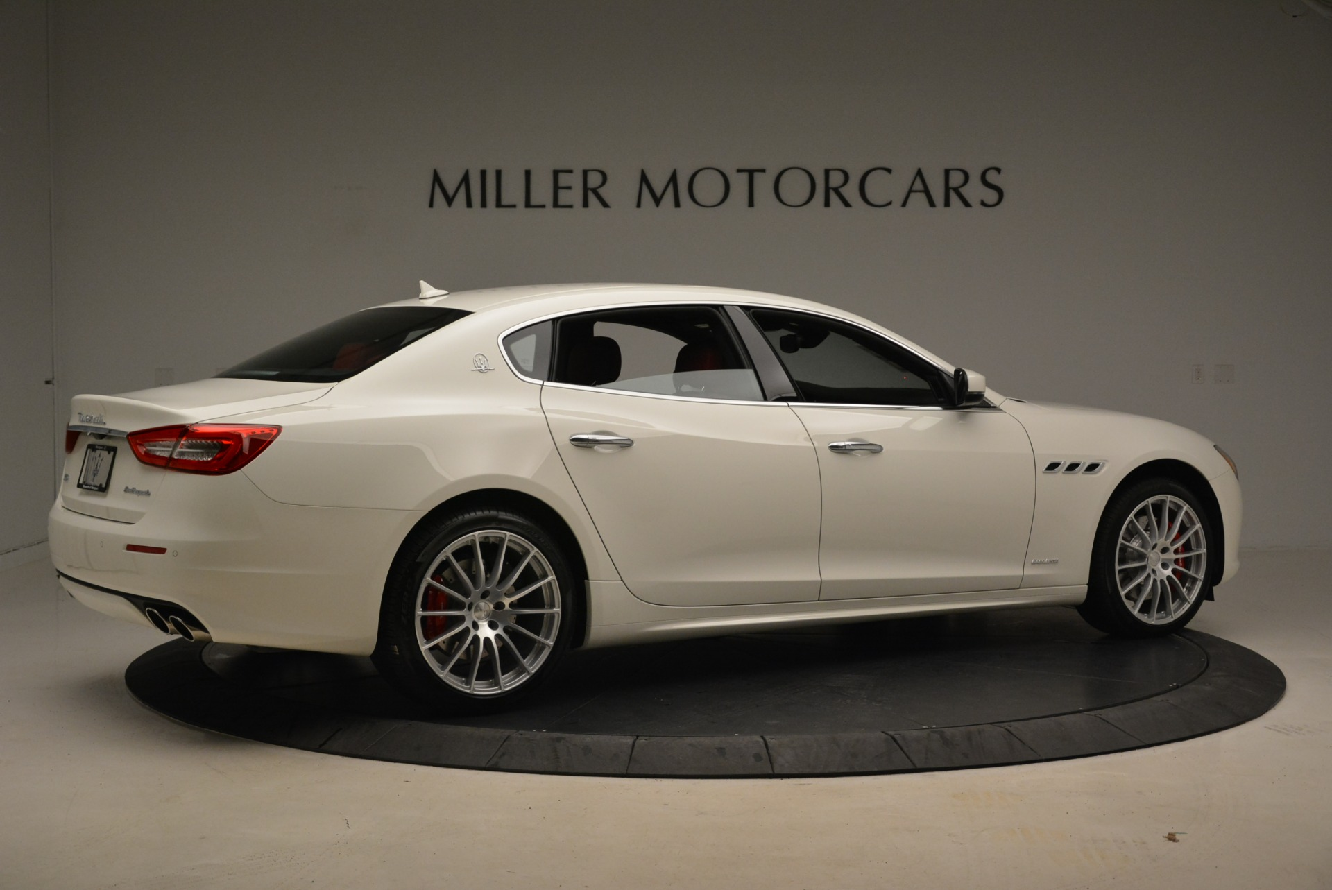 New 2018 Maserati Quattroporte S Q4 GranLusso For Sale In Westport, CT 2085_p11