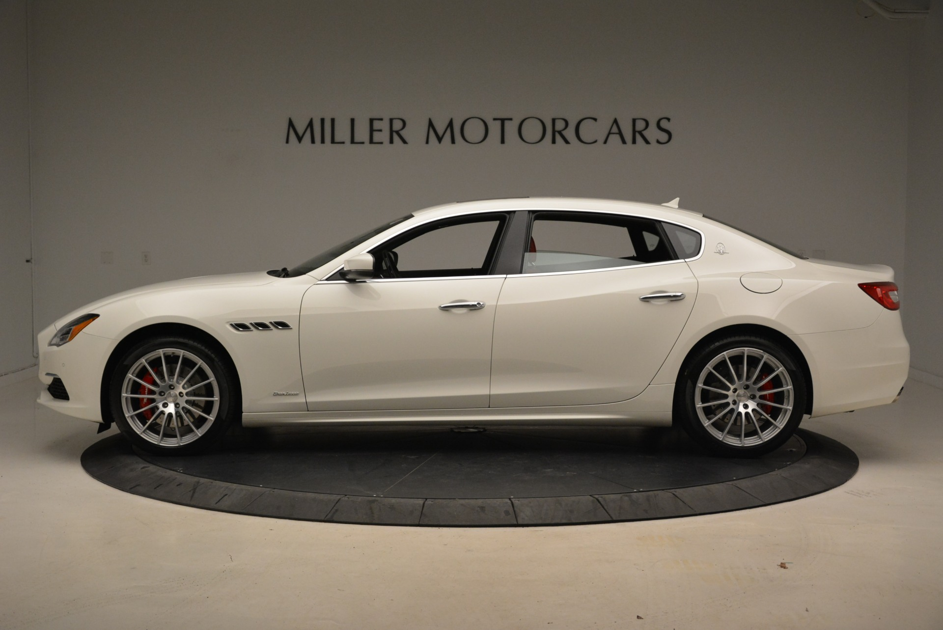 New 2018 Maserati Quattroporte S Q4 GranLusso For Sale In Westport, CT 2085_p4