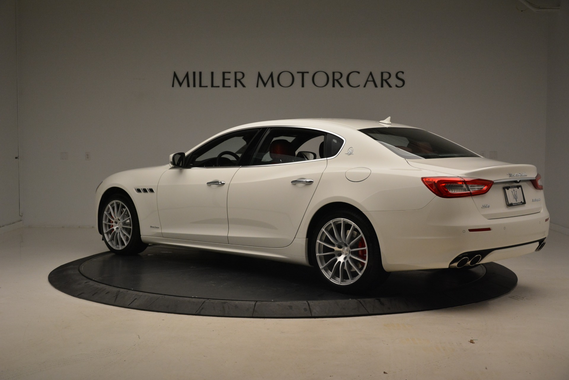 New 2018 Maserati Quattroporte S Q4 GranLusso For Sale In Westport, CT 2085_p6
