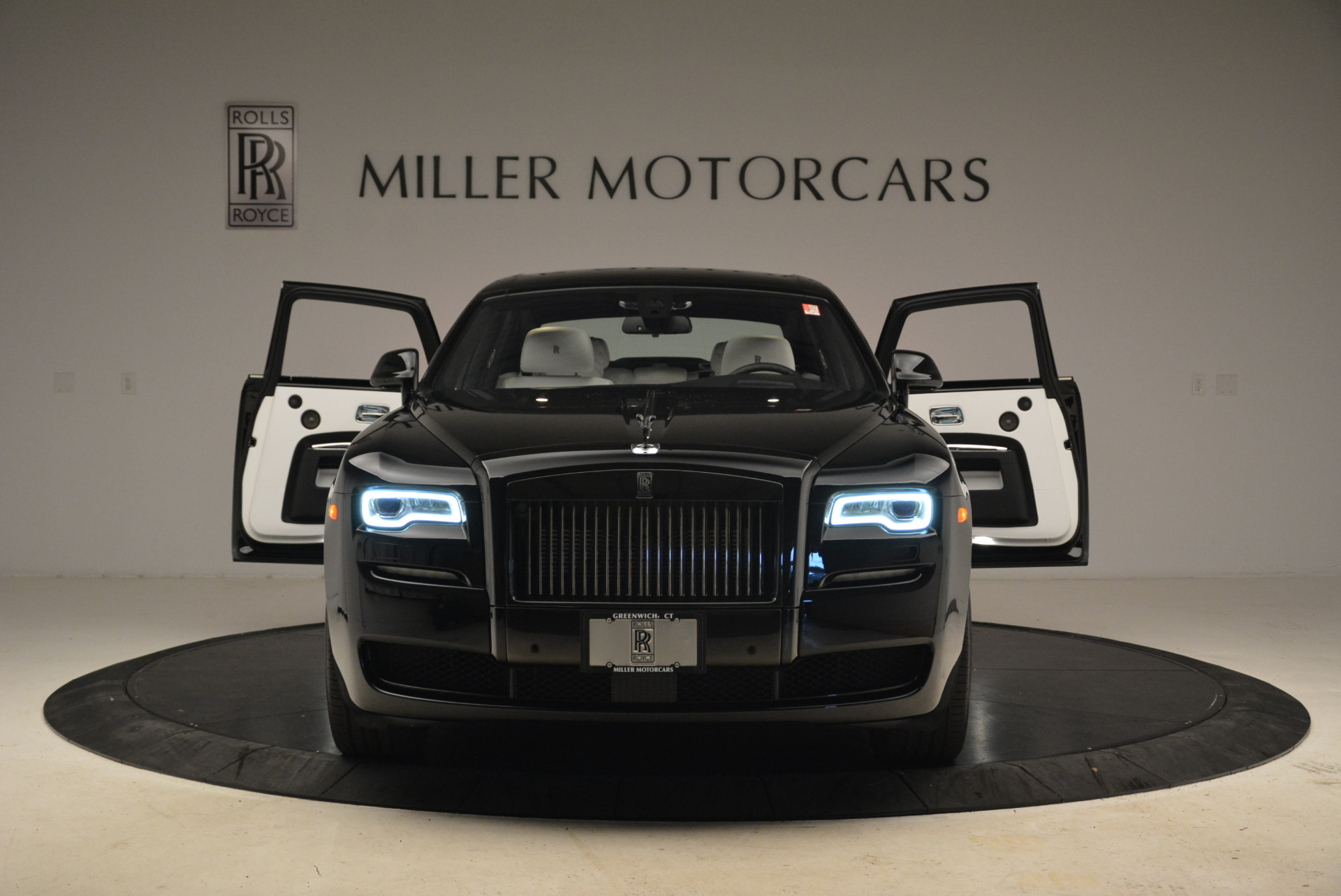 Used 2017 Rolls-Royce Ghost Black Badge For Sale In Westport, CT 2093_p13