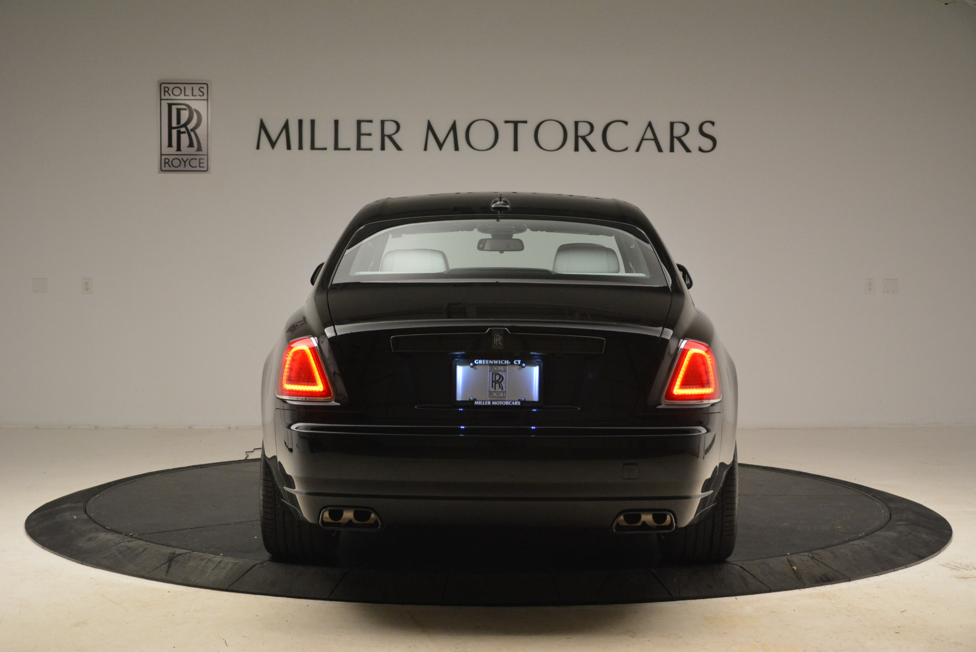 Used 2017 Rolls-Royce Ghost Black Badge For Sale In Westport, CT 2093_p4