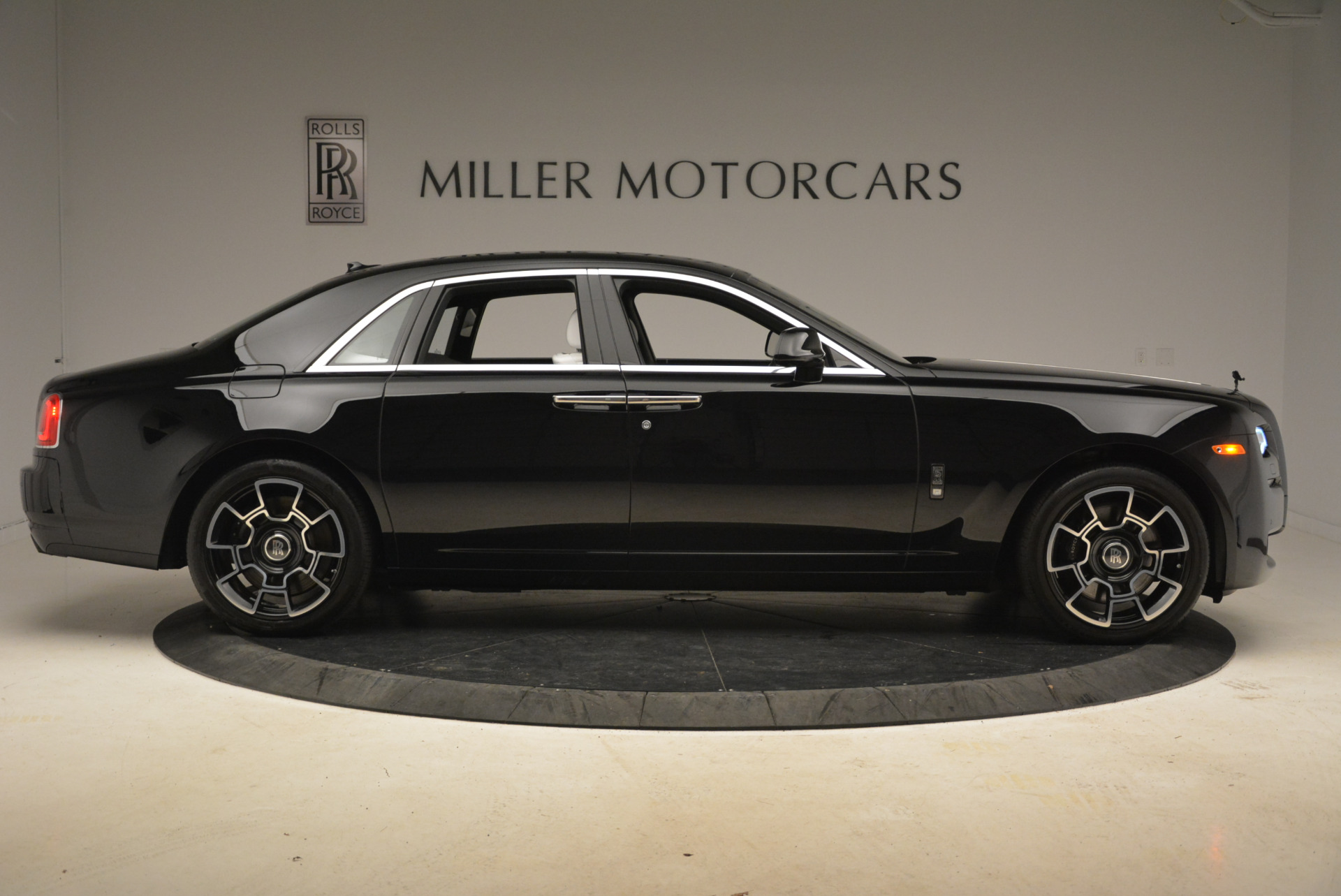 Used 2017 Rolls-Royce Ghost Black Badge For Sale In Westport, CT 2093_p7