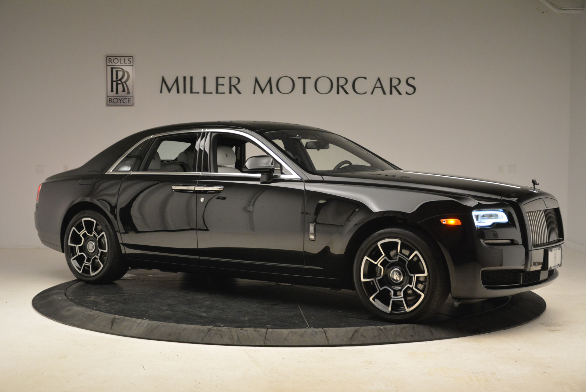 Used 2017 Rolls-Royce Ghost Black Badge For Sale In Westport, CT 2093_p8