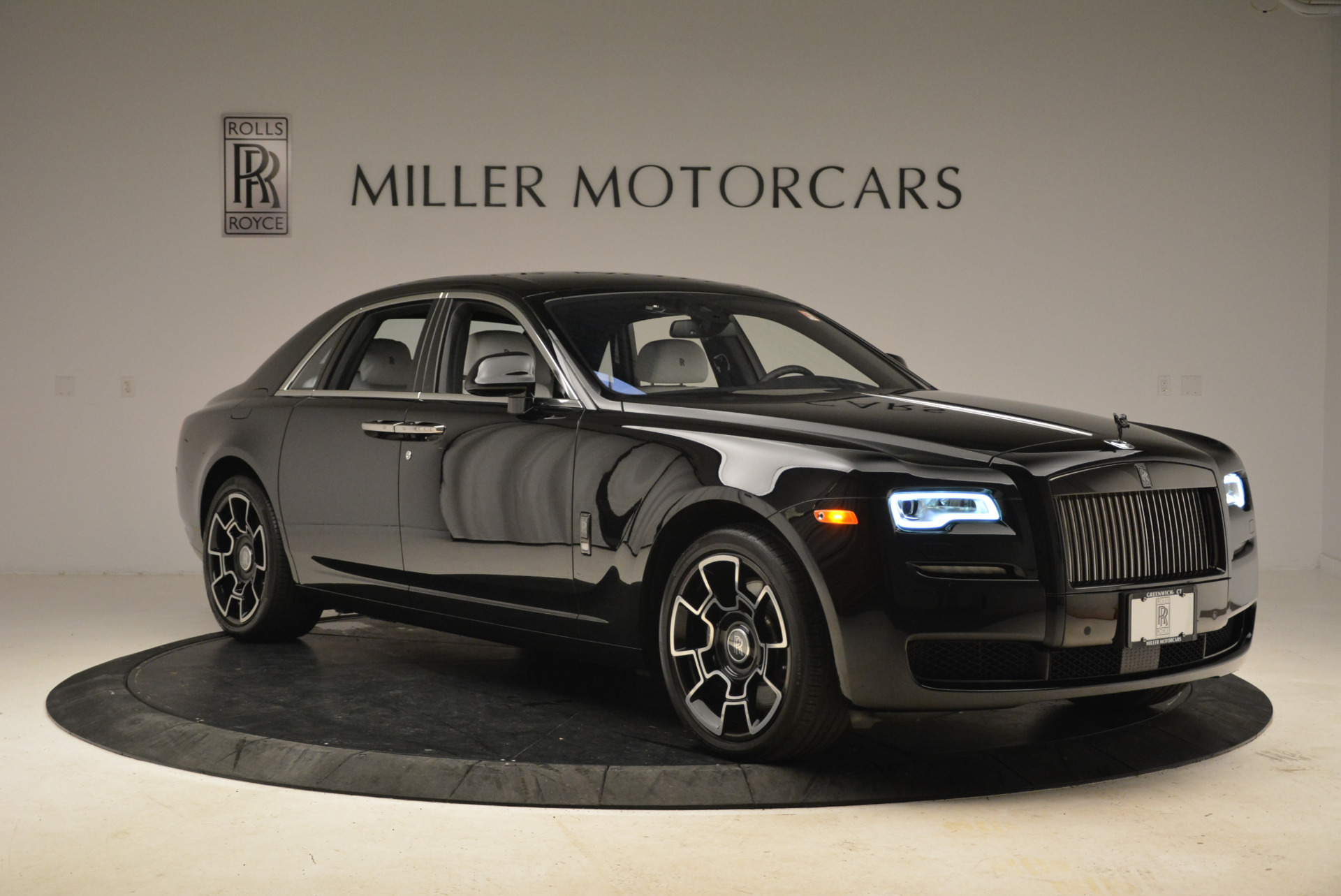 Used 2017 Rolls-Royce Ghost Black Badge For Sale In Westport, CT 2093_p9