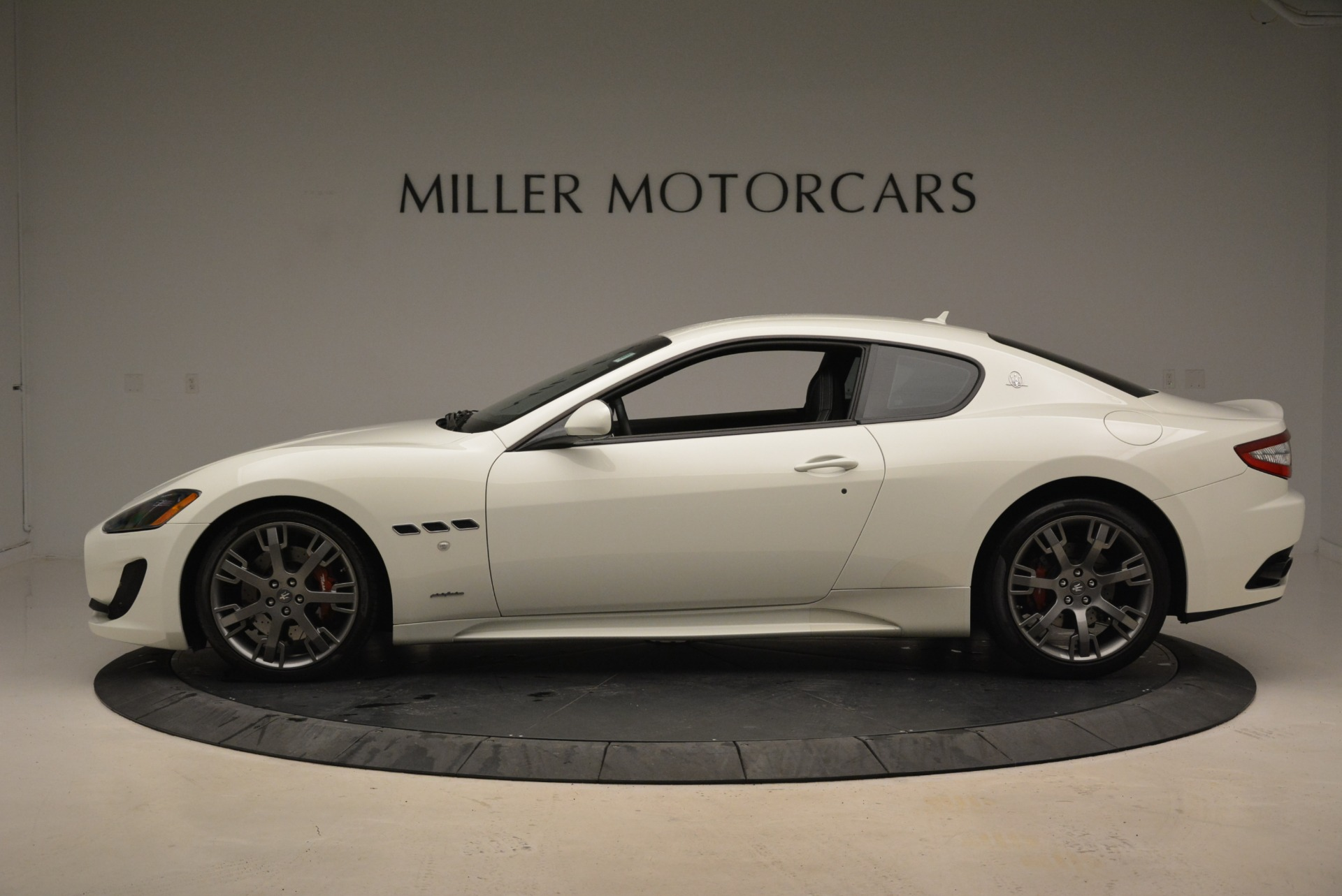 Used 2016 Maserati GranTurismo Sport For Sale In Westport, CT 2095_p3