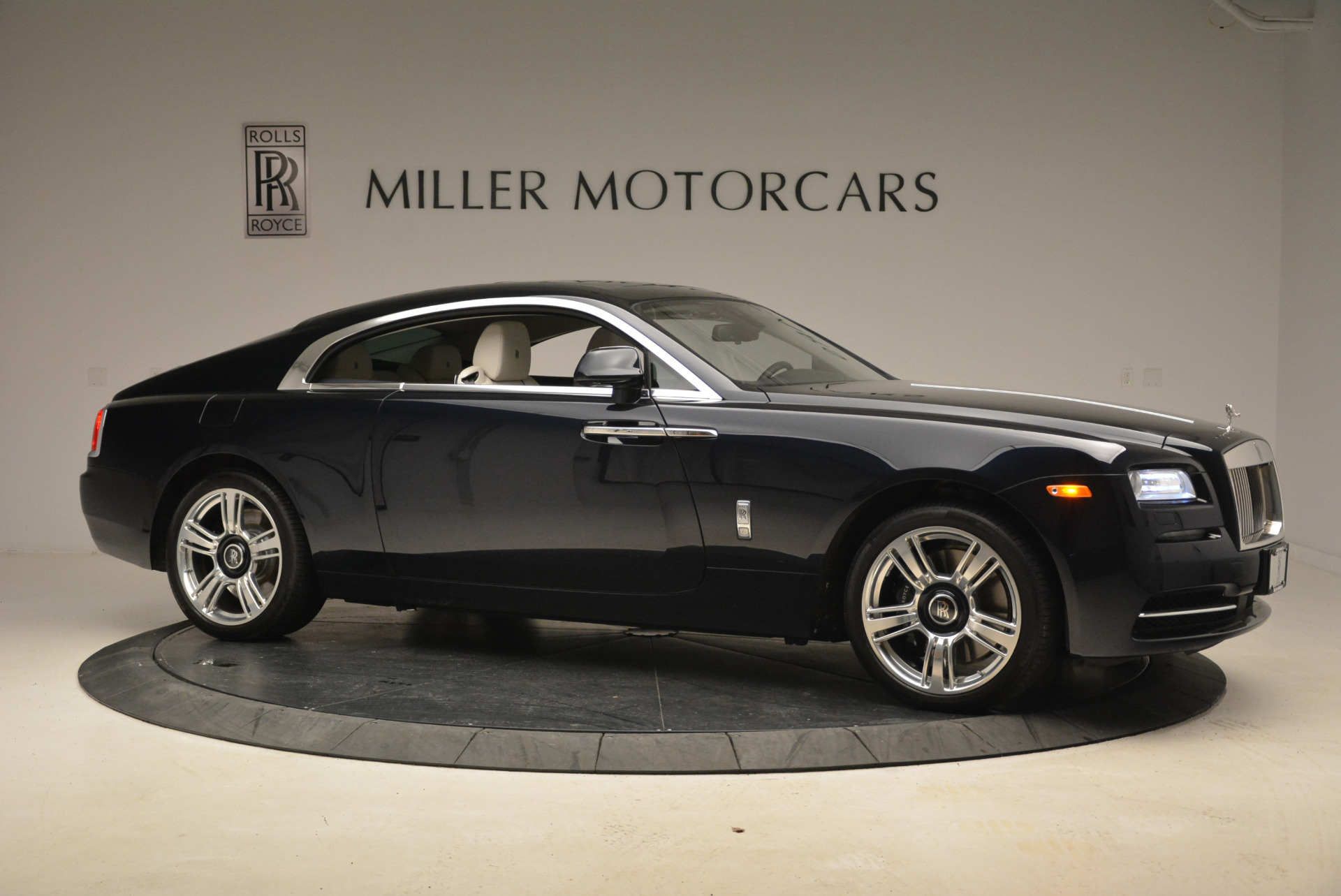 Used 2015 Rolls-Royce Wraith  For Sale In Westport, CT 2099_p10